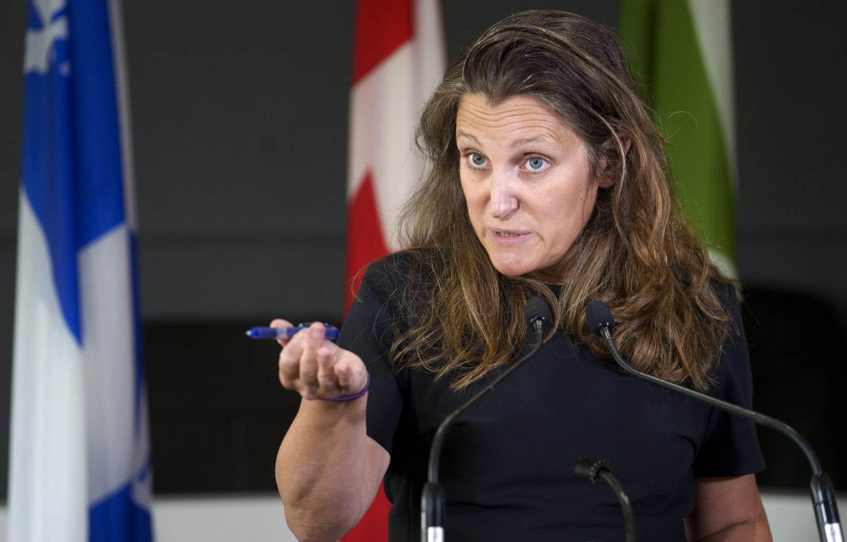 De passage à Boisbriand, la vice-première ministre a affirmé qu'il est «évident que le Canada a une obligation morale en ce qui concerne les traducteurs qui aujourd'hui sont peut-être en danger à cause de leur travail pour nous, pour notre pays».