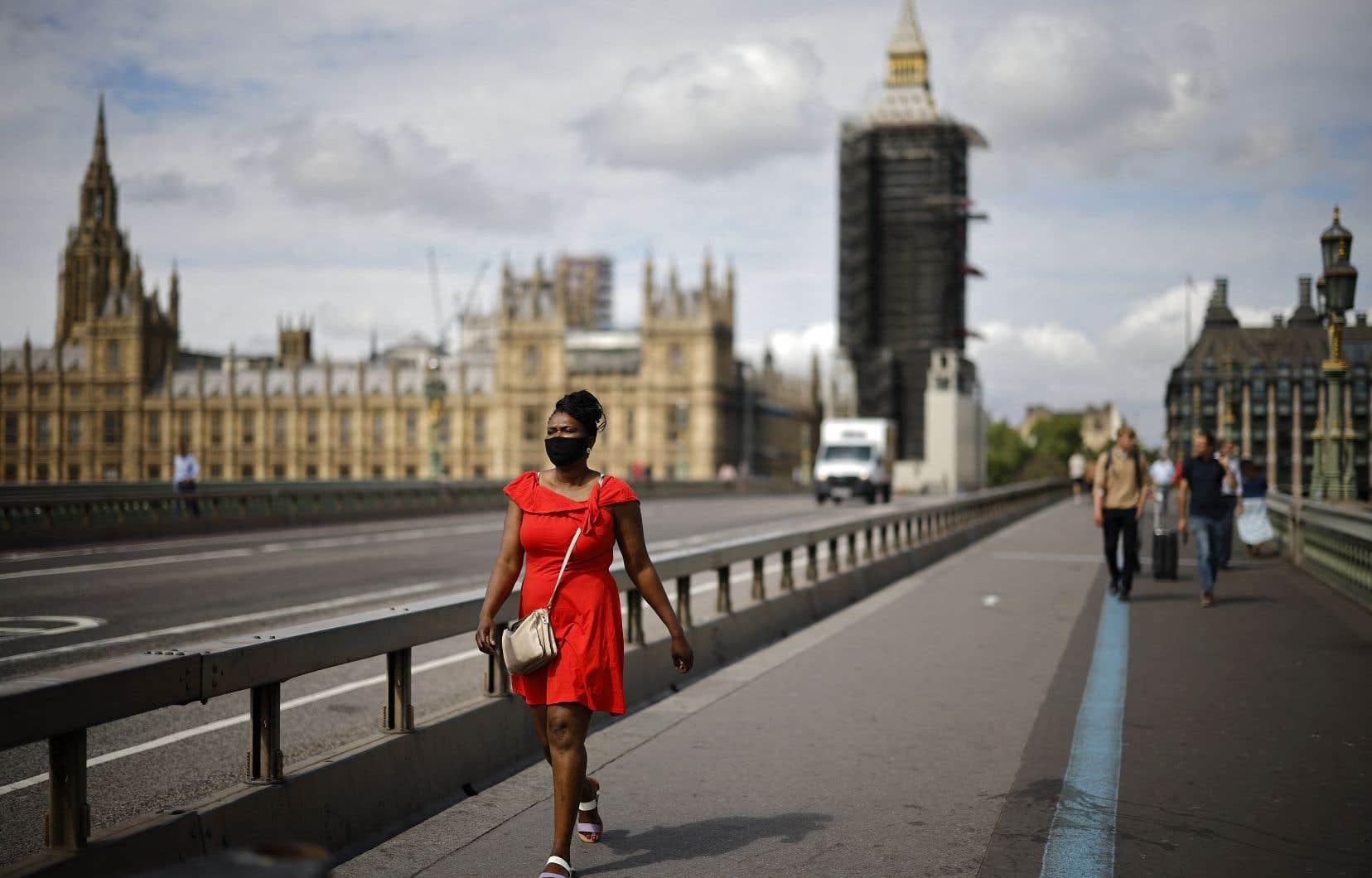 Au terme d'une séance ayant vu la plupart des places européennes perdre jusqu'à plus de 3%, la Bourse de Londres a fini en baisse de 2,34%.
