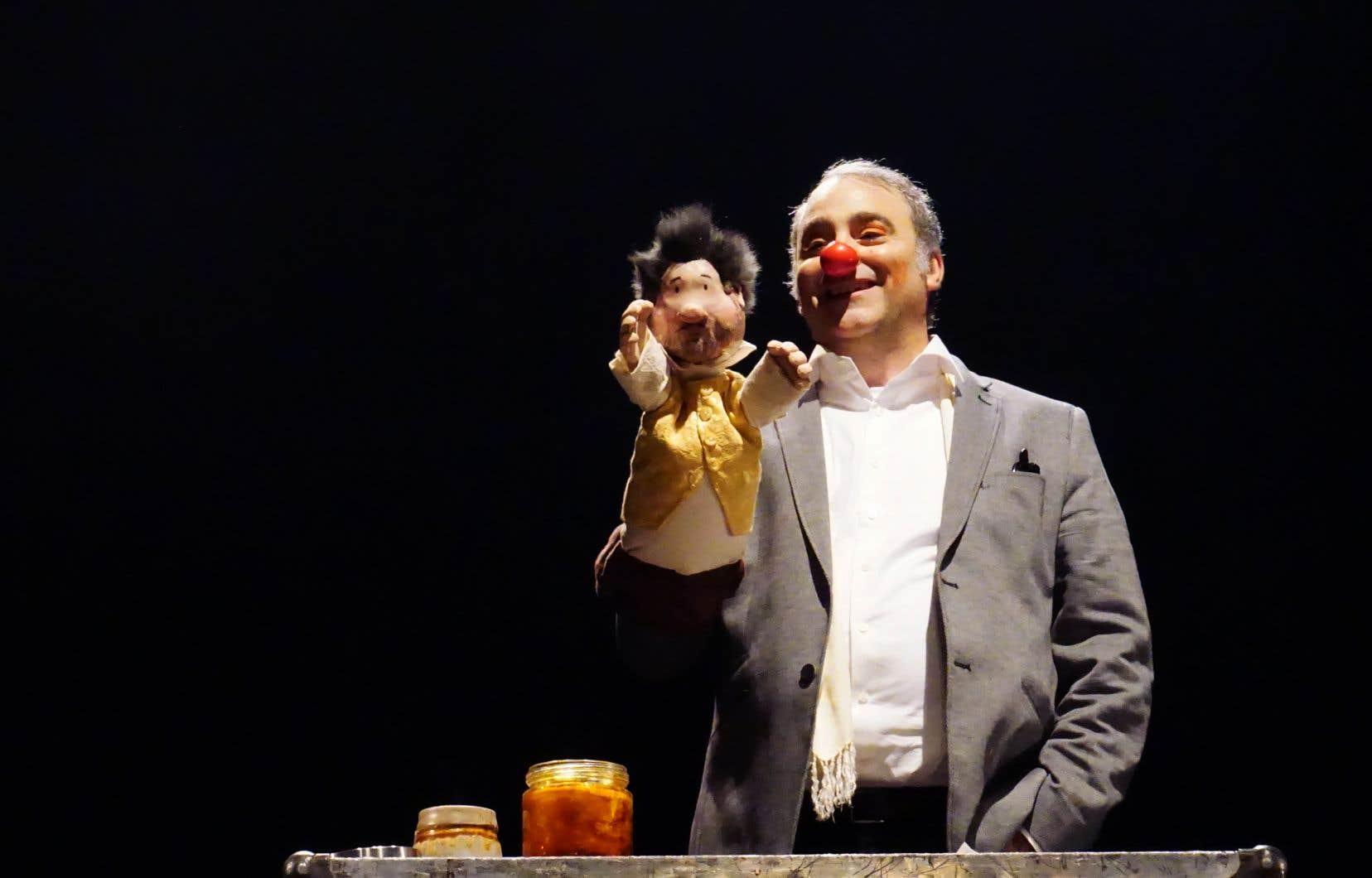 Le directeur artistique du Théâtre de la Petite Marée, Jacques Laroche, dans «Don qui quoi !?!», un hommage à la littérature, à l'Espagne, à la liberté et au théâtre