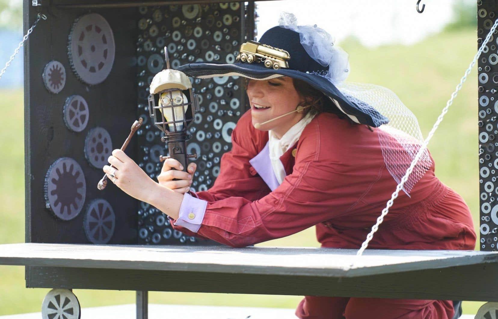 Jeane Landry-Proulx en pleine action dans  un spectacle  de La Roulotte