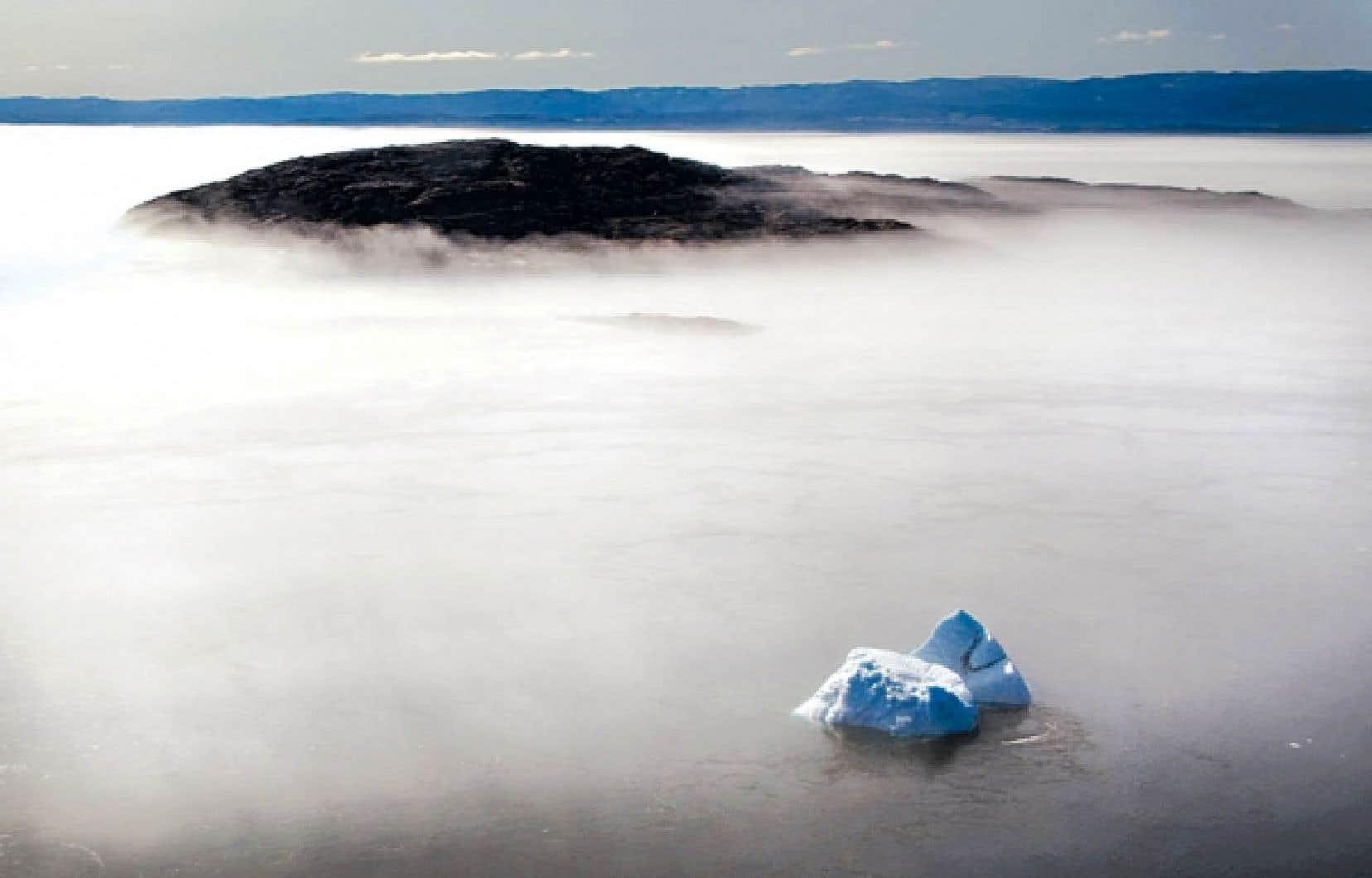 Dans le cas d'une catastrophe pétrolière dans l'Arctique, au moins une journée de nettoyage sur cinq devrait être annulée en raison du mauvais temps ou du déplacement des glaces sur l'eau.<br />