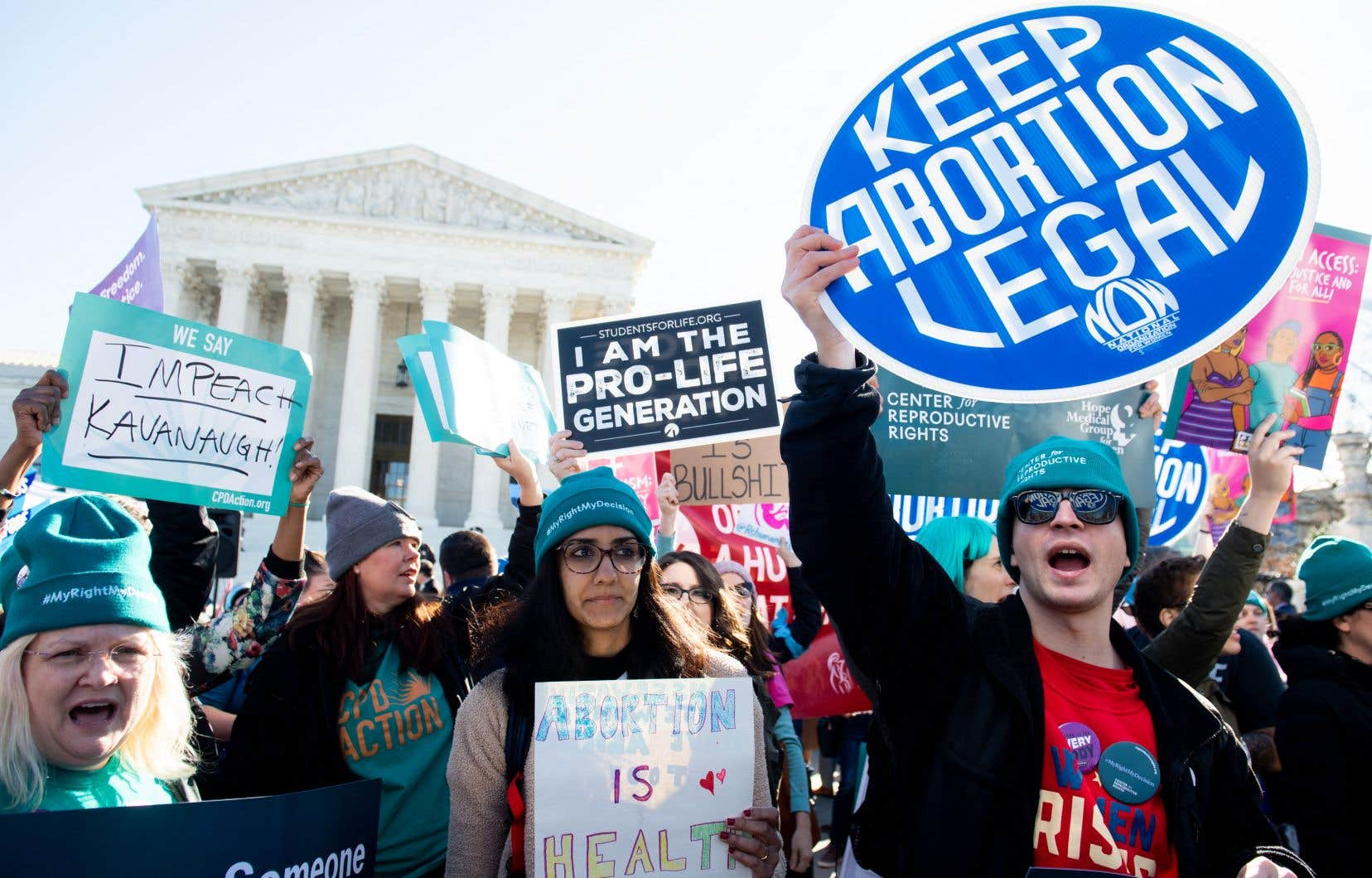 Des militants pro-choix manifestant devant la Cour suprême des États-Unis, à Washington, en mars 2020