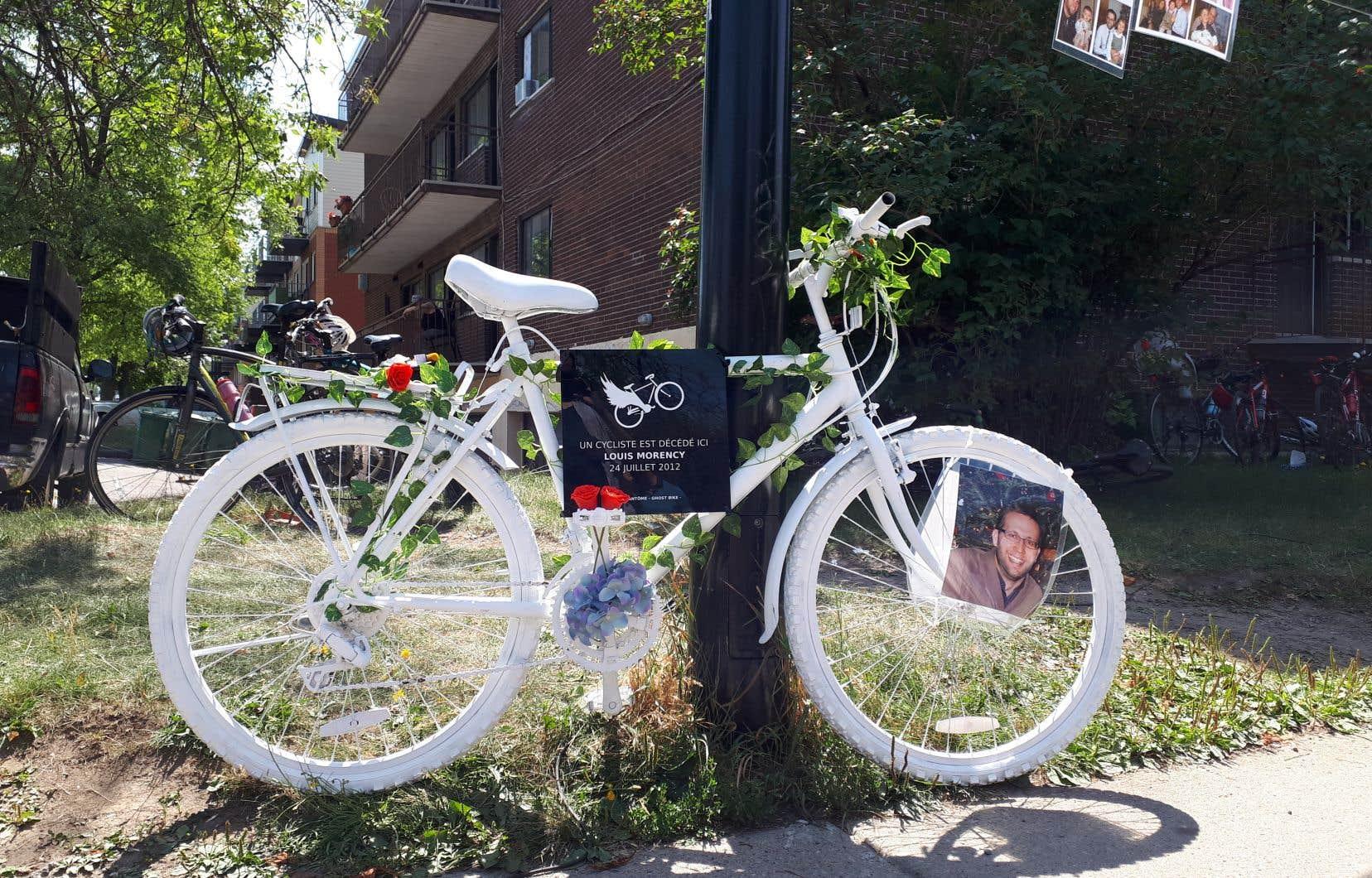 Ce vélo fantôme est le 14einstallé par l'organisme Vélo fantôme dans les rues de la métropole.