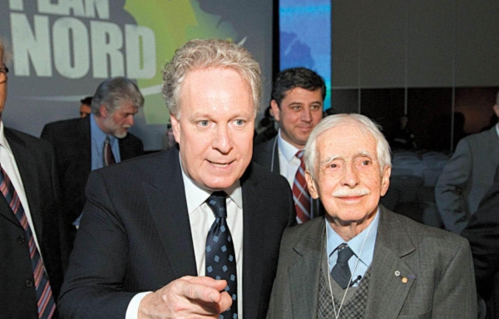Le géographe et écrivain Louis-Edmond Hamelin a pris part en mai dernier au dévoilement du Plan Nord par Jean Charest.<br />