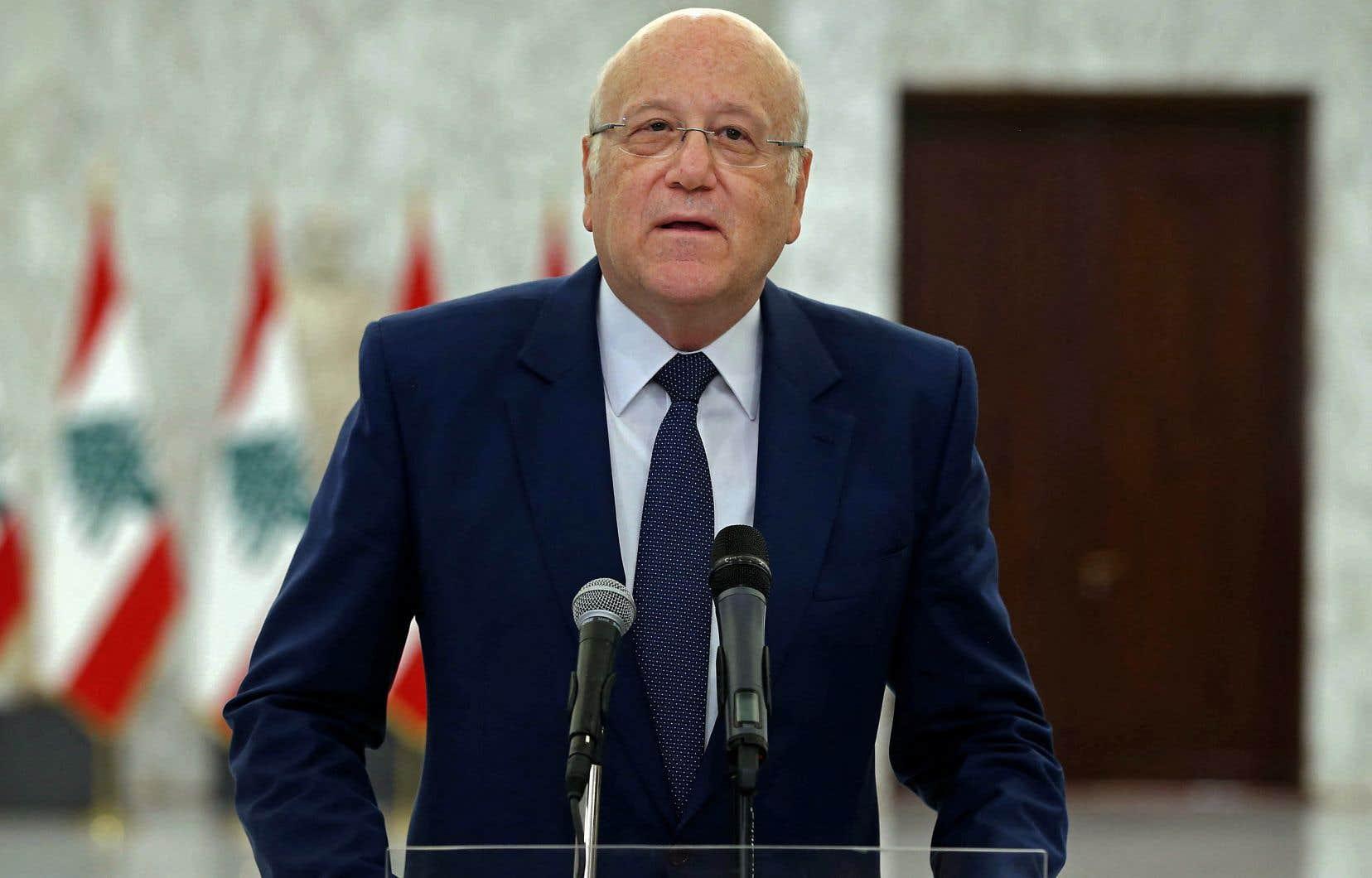 L'ex-premier ministre Najib Mikati a été chargé lundi de former un nouveau gouvernement après l'échec de ses deux prédécesseurs à mettre en place un cabinet censé mener des réformes indispensables pour sortir le Liban de la pire crise socio-économique de son histoire.