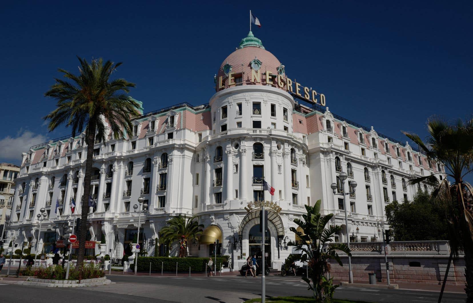 Nice possède un superbe patrimoine architectural encore visible aujourd'hui, avec hôtels, villas, immeubles destinés à la location.