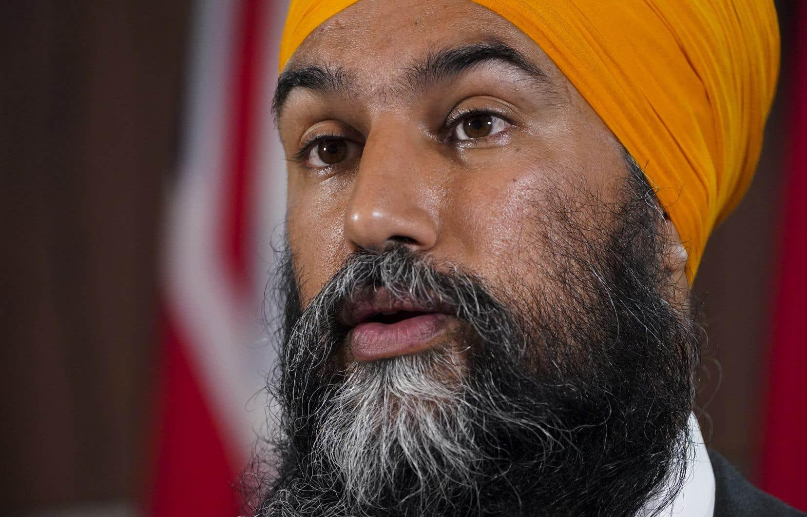 Dans sa lettre à Mary Simon, Jagmeet Singh rappelle que la loi fixe la date des prochaines élections au mois d'octobre 2023 et il laisse entendre quela représentante de la reine au Canada n'a pas à plonger le pays en campagne électorale, même si Justin Trudeau lui en faisait la demande.