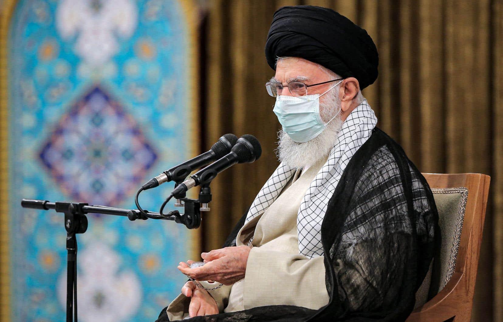 L'essentiel du pouvoir en Iran est aux mains de l'ayatollah Khamenei, ultime décideur notamment sur la question nucléaire.