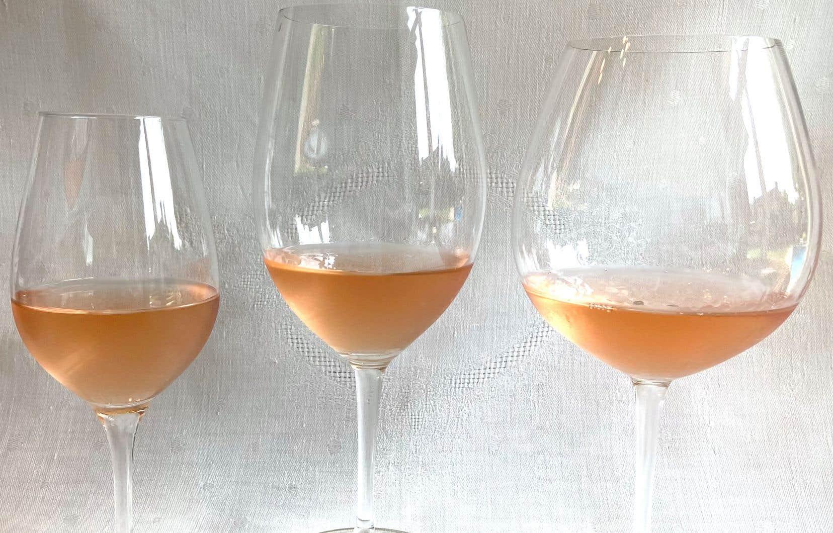 Les verres Stölzle INAO (A) et Riedel type bordeaux (B) et bourgogne (C)
