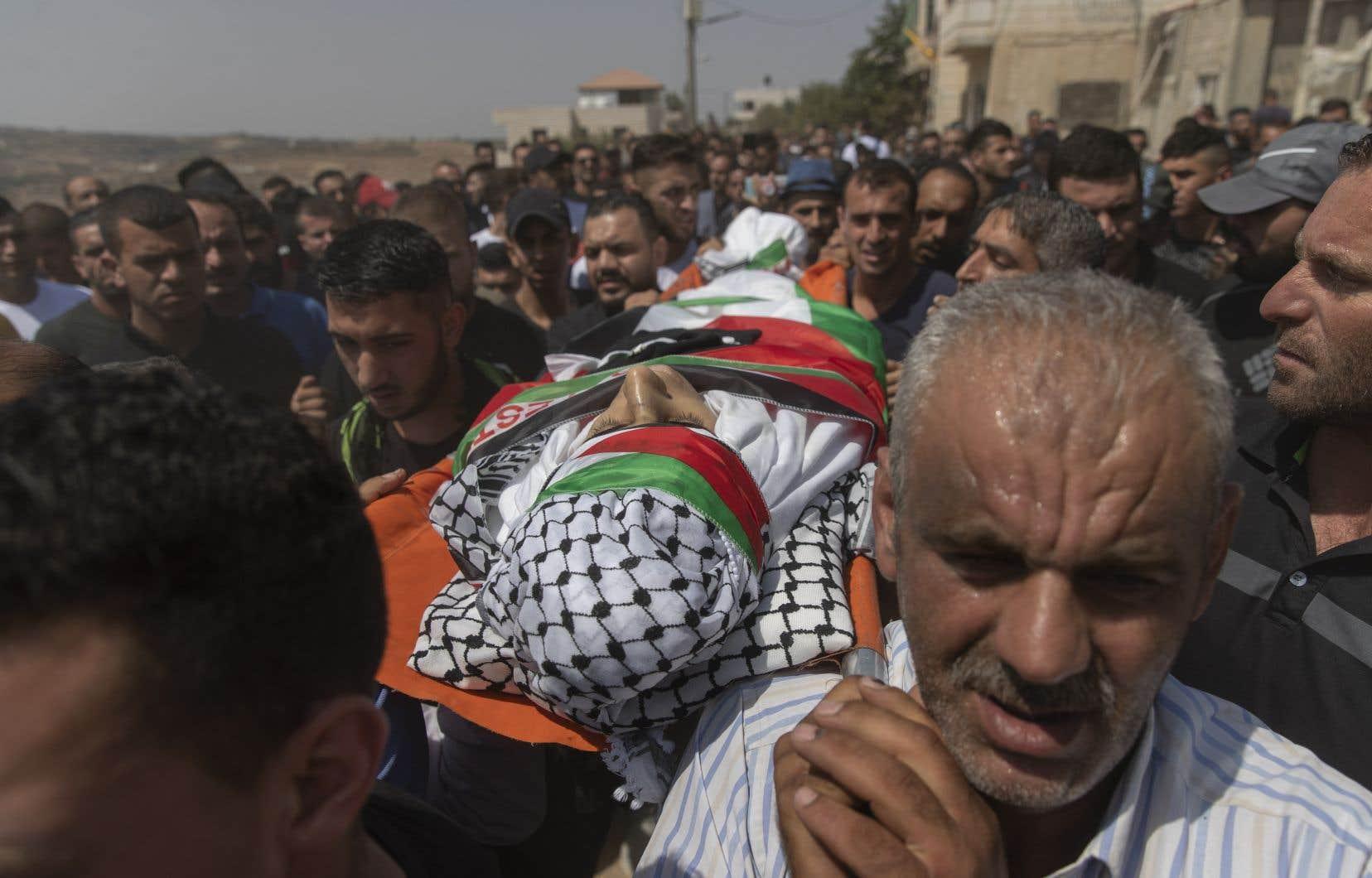 Quelque 270 Palestiniens ont été blessés vendredi en Cisjordanie occupée lors de heurts avec des soldats israéliens durant des manifestations contre la colonisation israélienne et lors des funérailles d'un jeune palestinien tué la veille.