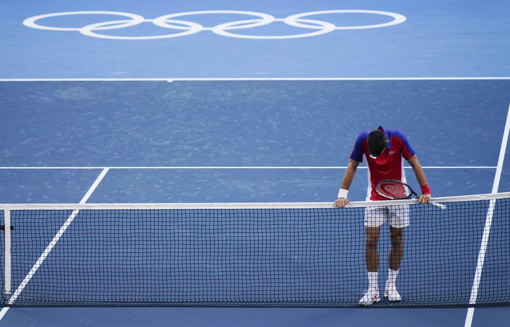 «Je ne regrette pas d'avoir tout donné ici, car au bout du compte, quand vous jouez pour votre pays, c'est quelque chose qu'il est nécessaire de faire», a déclaré Novak Djokovic, expliquant que la baisse subite de son niveau de jeu était «également due à l'épuisement, mental et physique».
