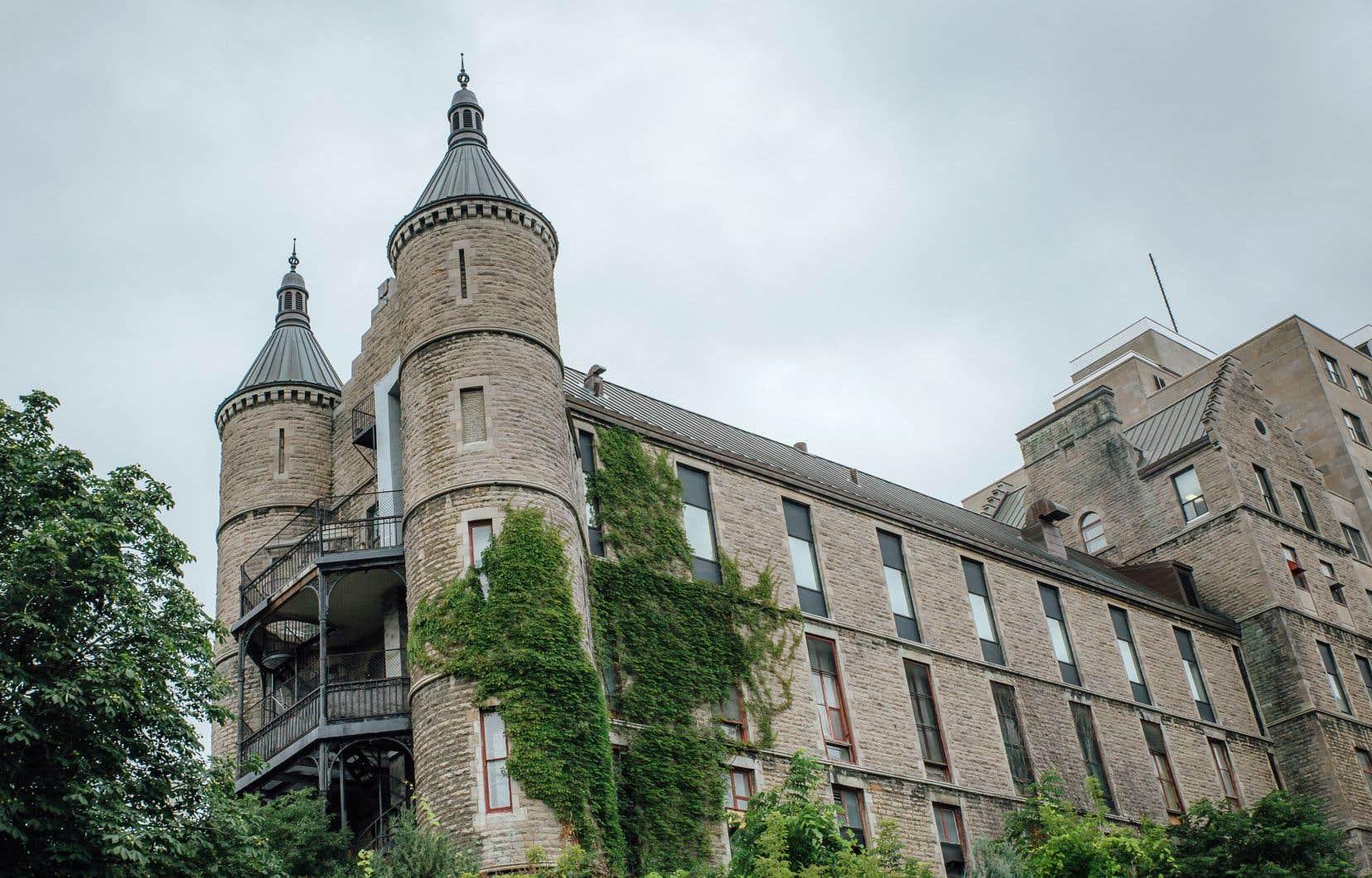 Fondé en 1893, l'hôpital Royal Victoria a longtemps occupé une place importante dans le réseau de la santé montréalais.