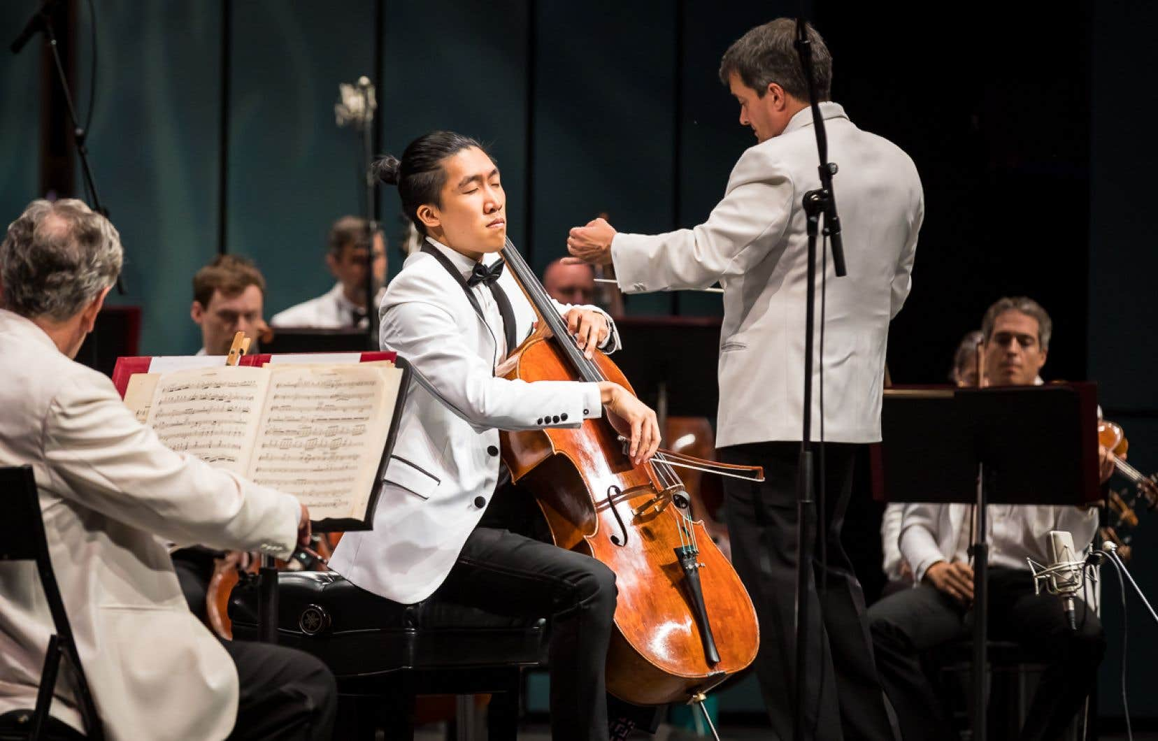 Bryan Cheng, vainqueur du Concours OSM en 2019, s'est fait remarquer lors de la fin de semaine avec son interprétation du rare «2e Concerto pour violoncelle»de Saint-Saëns.