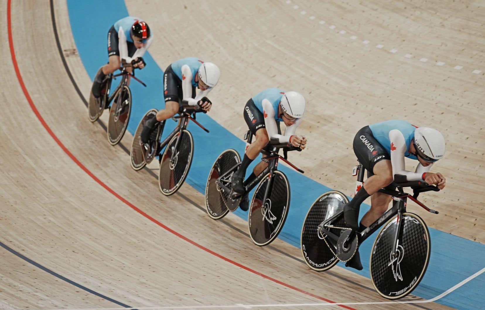 Le Canada a envoyé sa plus imposante équipe de cyclisme au Japon, alors que 12 cyclistes prennent part à la compétition cette semaine.