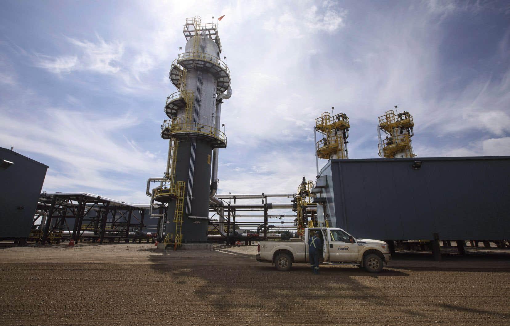 EDC a un volume de prêts, de garanties de prêts et d'autres «solutions» facilitant les affaires de l'industrie du gaz et du pétrole qui se chiffre à 8,1milliards de dollars pour l'année 2020.