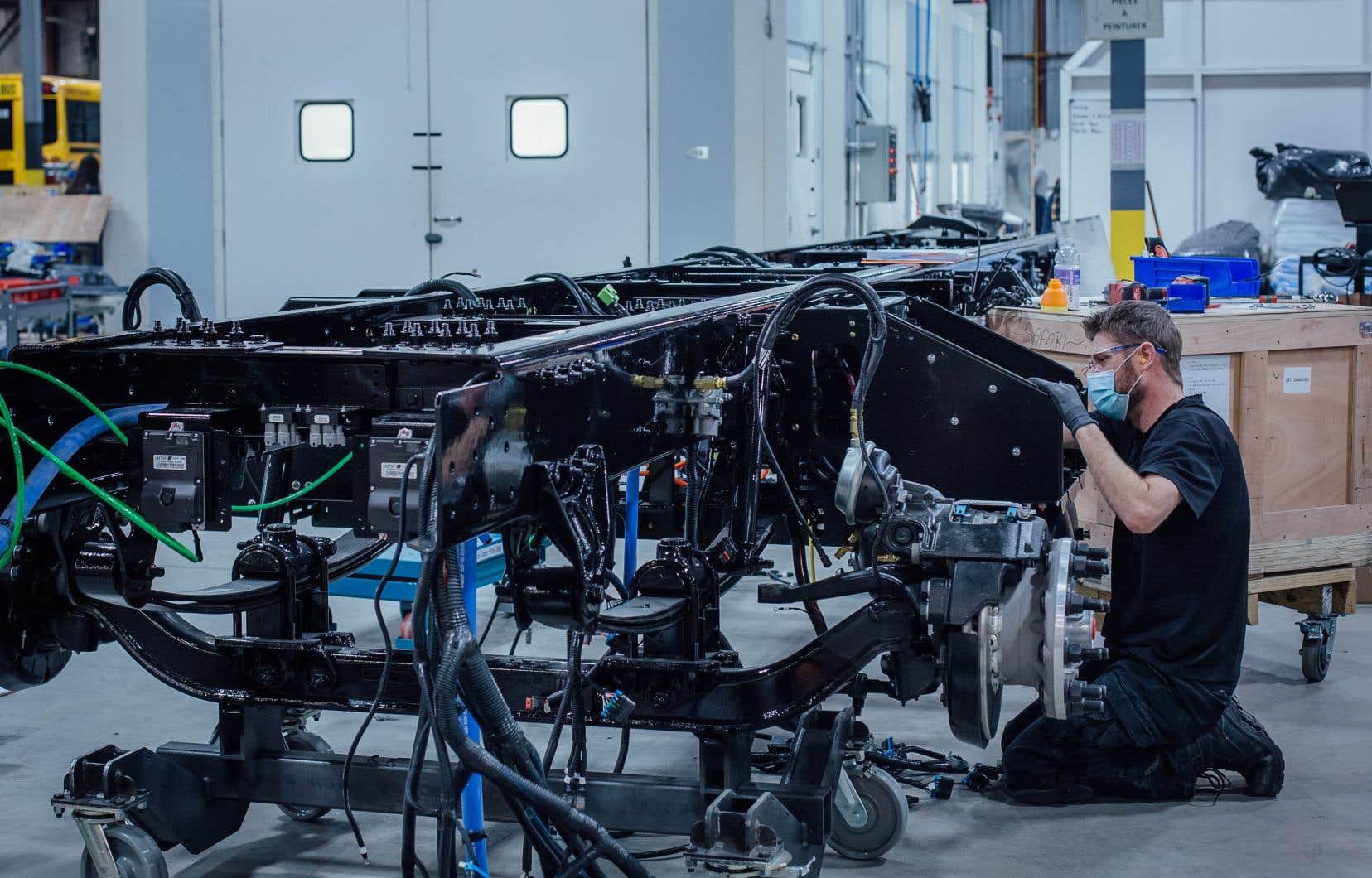 """L'adoption de modes de transport plus durables est un des secteur visé par le projet, qui ciblerait notamment des entreprises pouvant devenir « les """"Lion Électrique"""" de demain». Lion électrique est un manufacturier de véhicules lourds à zéro émission."""