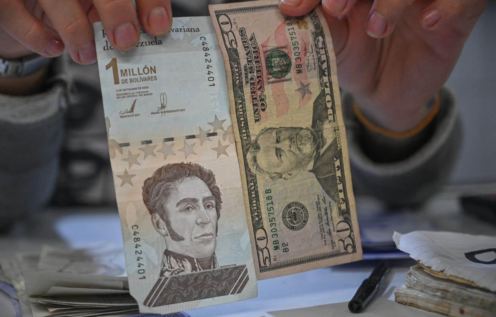 Au Vénézuela, la plupart des transactions se font en monnaie américaine alors que l'inflation a été de plus de 250% entre janvier et mai.