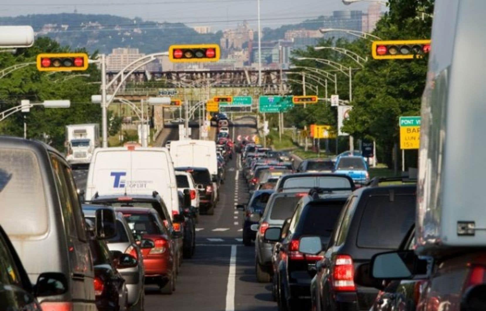 Le maire Tremblay estime que le report de travaux améliorera la «perception de sécurité» sur l'île de Montréal et contribuera à la fluidité des déplacements.