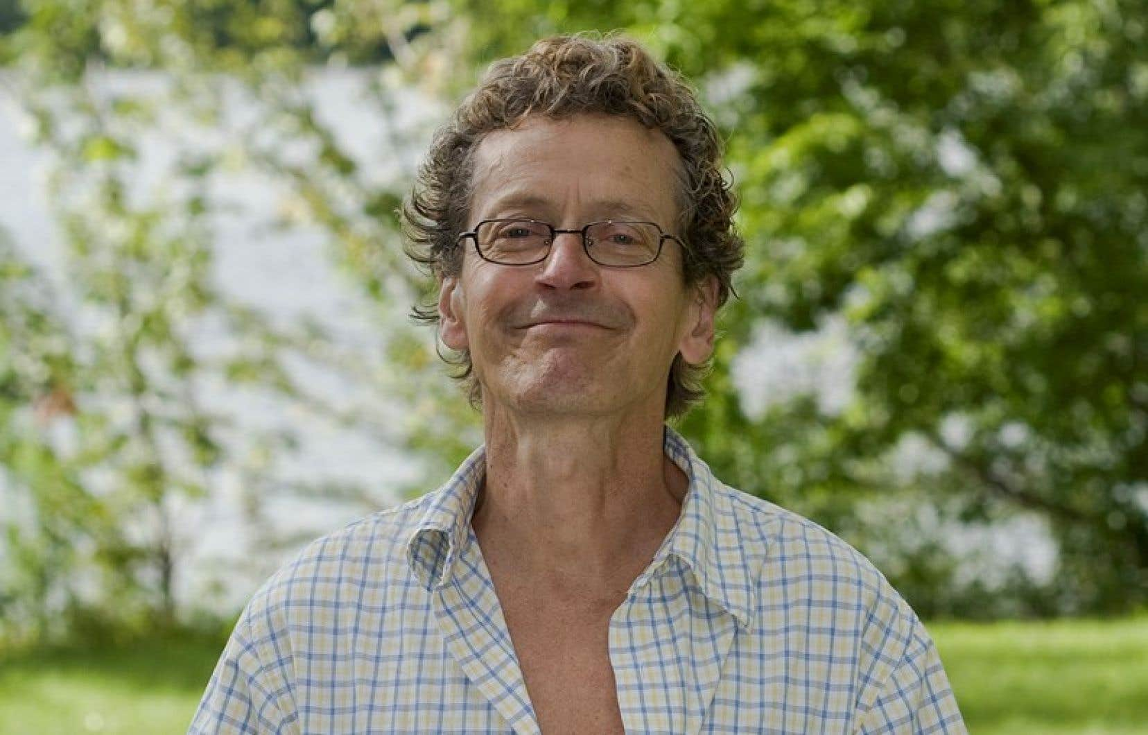 Marcel Saint-Pierre, le 9 août 2008, à l'occasion d'un événement qu'il a organisé chez lui à Sainte-Rose pour souligner le 60e anniversaire du Refus Global