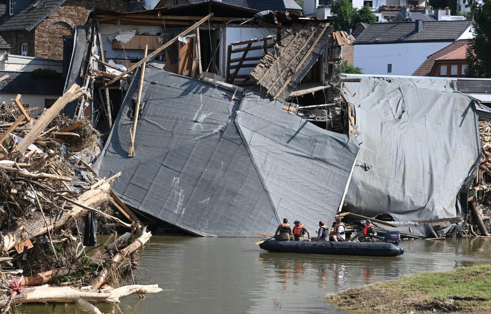Une polémique a suivi le sinistre, relative à l'anticipation des événements météorologiques par les autorités, au fonctionnement du système d'alertes et aux mesures d'évacuation.
