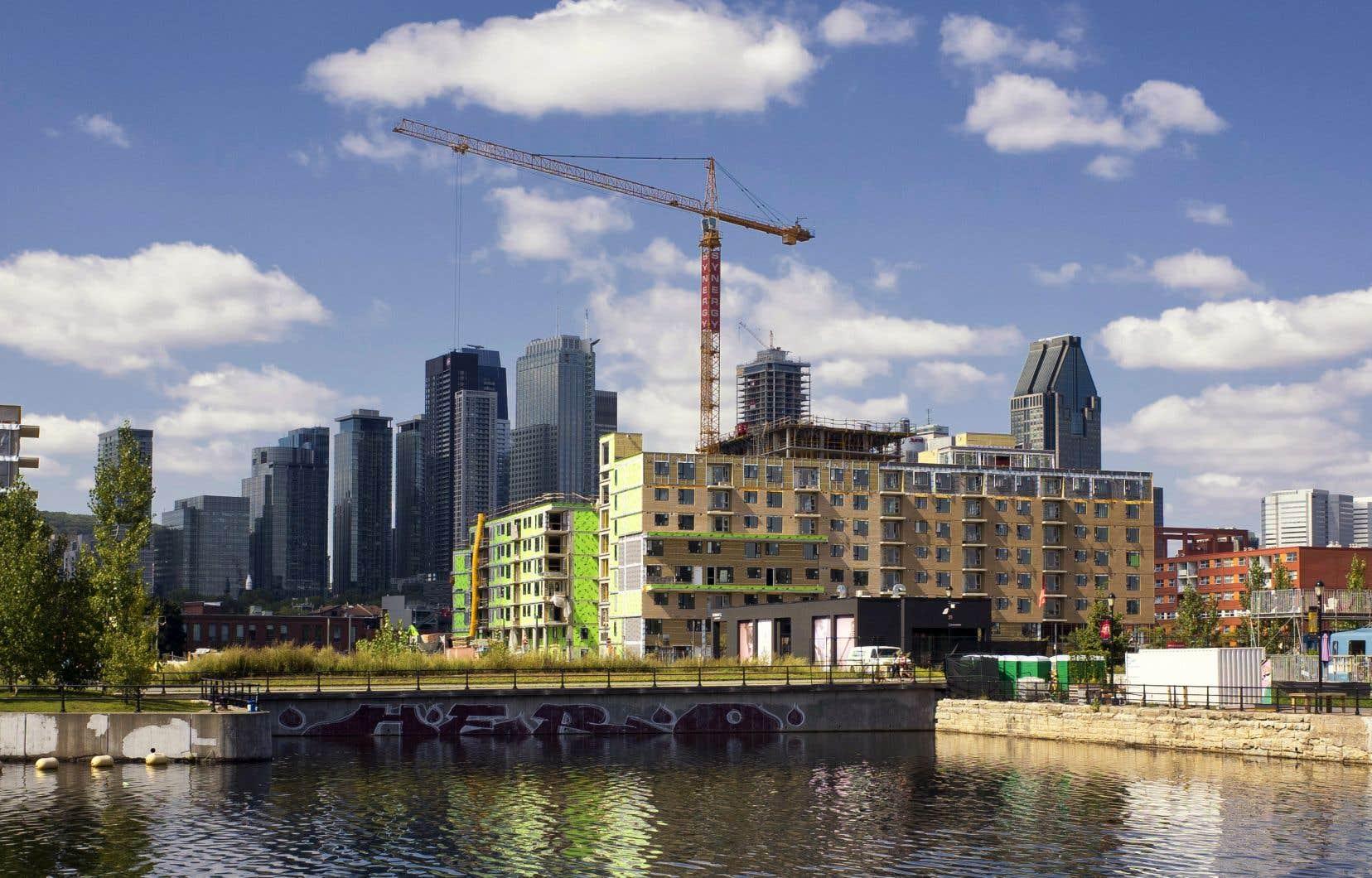 Le DPB prévoit que le nombre de ménages canadiens ayant besoin d'un logement abordable passera à environ 1,8million d'ici cinq ans.
