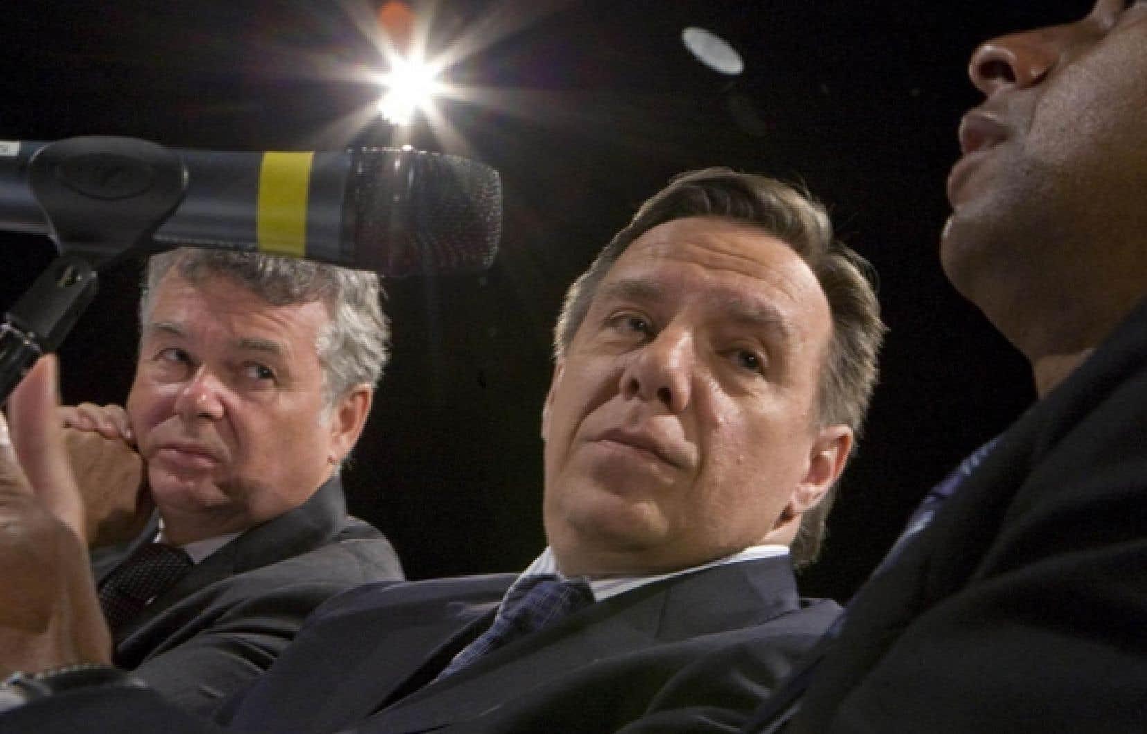 La coalition propose de limiter à 45 000 le nombre d'immigrants annuels au Québec durant deux ans. Le nombre actuel d'immigrants accueillis par le Québec est de 55 000, et la CAQ souhaiterait le stabiliser à 50 000.