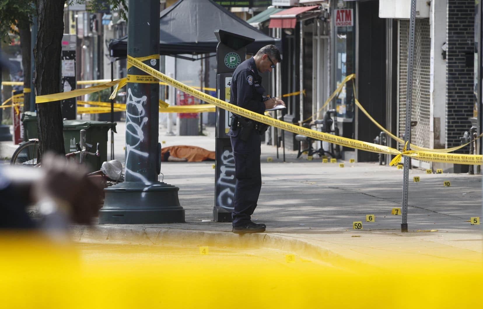 Selon la Division du renseignement du SPVM, il y aurait eu plus de 150 événements (blessure par balle, décharge d'armes, douilles, appels au 911,etc.) impliquant des armes à feu à Montréal de juin 2020 à juin 2021, dont plus de 60 depuis le 1erjanvier 2021.