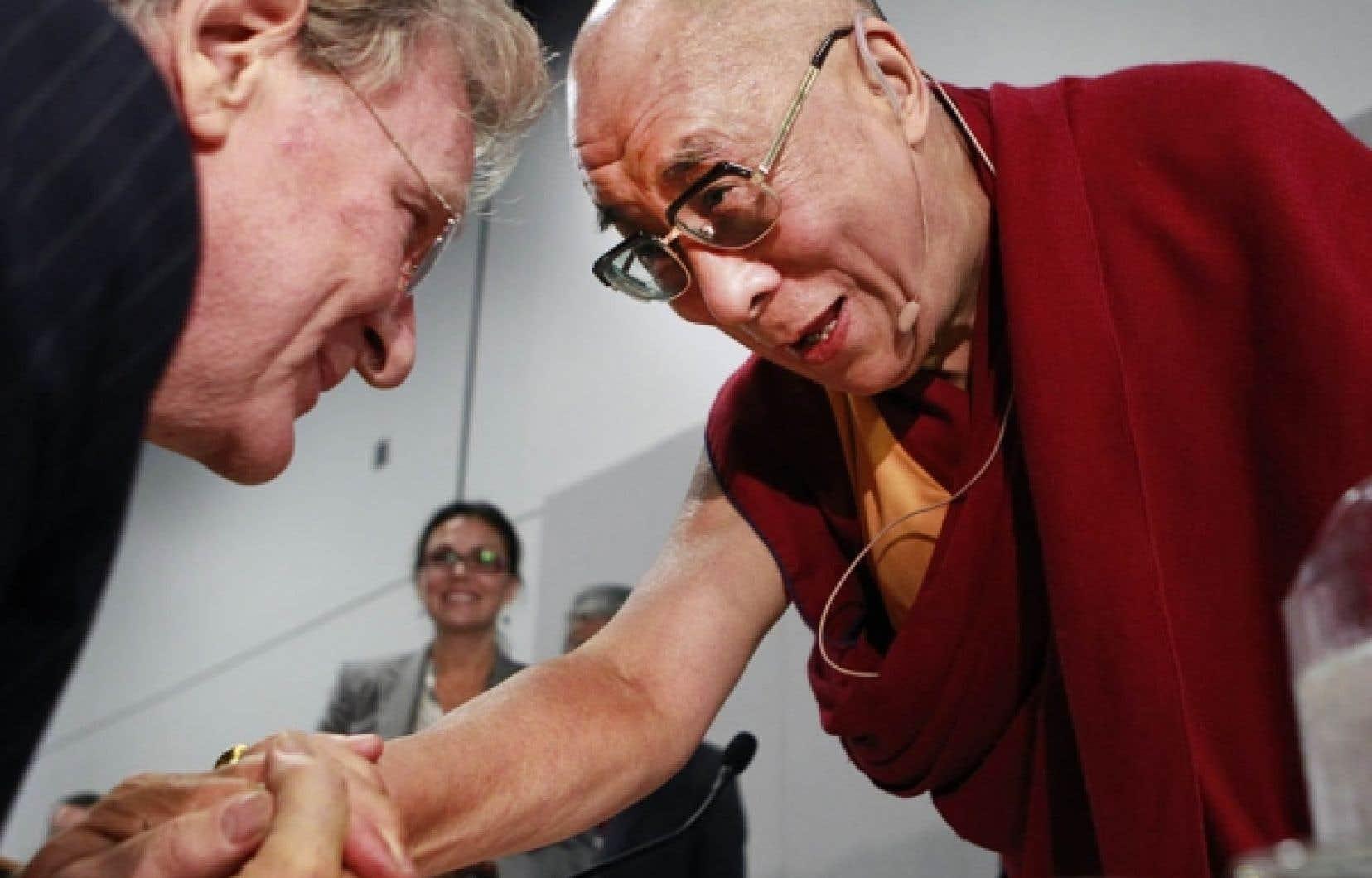 Le dalaï-lama était de passage hier à Montréal, où il a entre autres discuté de corruption et de censure.<br />