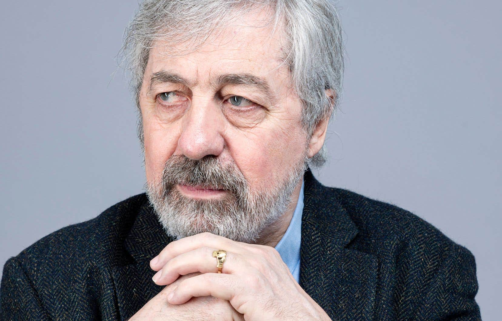Aujourd'hui journaliste au «Canard enchaîné», Sorj Chalandon a travaillé 34ans pour le quotidien «Libération». Sa couverture du procès Barbie lui a d'ailleurs valu le prestigieux prix Albert-Londres en 1988.