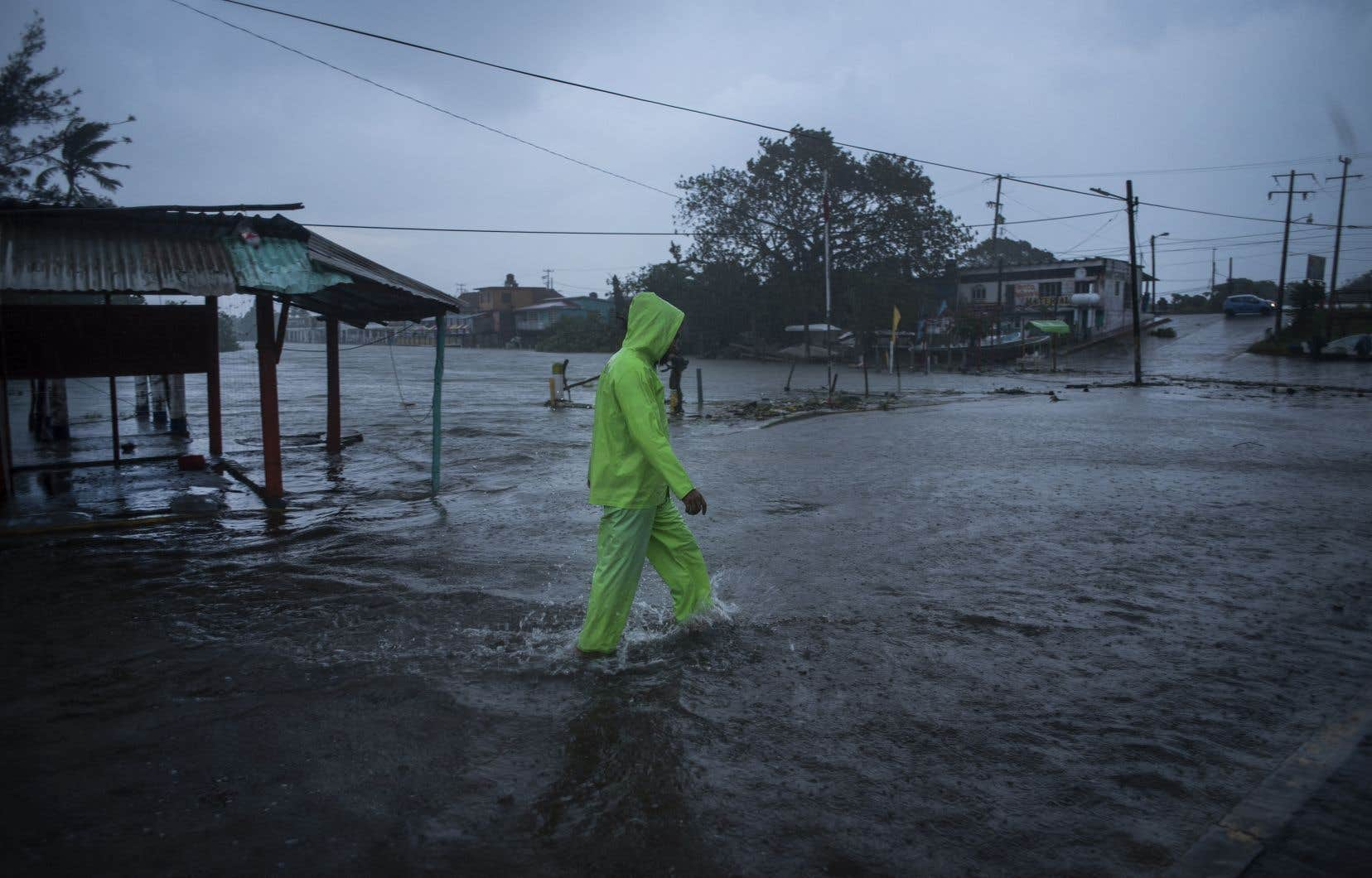 Il y a une semaine, le Mexique a subi le passage de l'ouragan Grace, qui avait touché terre à Veracruz (est) en tant qu'ouragan de catégorie 3. Le passage de Grace a fait onze morts dans cet État et dans celui de Puebla (centre).