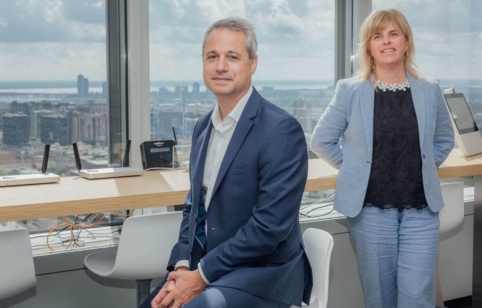 Marie-Christine D'Amours,  vice-présidente responsable  de l'expérience client au Québec chez Telus,  et Sébastien Fournier, président  de Hilo,  veulent bâtir  les fondations d'un écosystème complet d'appareils connectés pour la maison.