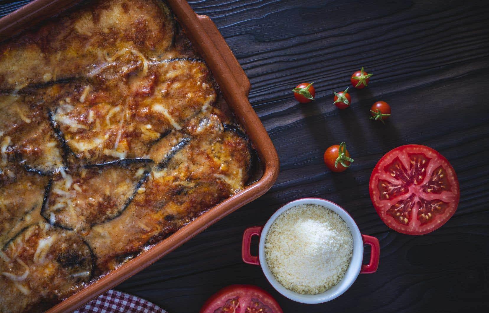 Ce mois-ci, l'aubergine est à son apogée et on peut l'apprêter en parmigiana, notamment.