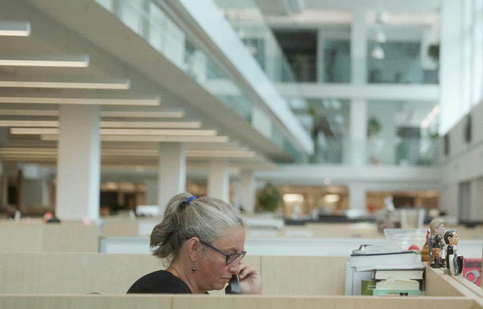 Katia Gagnon dans une scène de la série documentaire «La une», à Télé-Québec