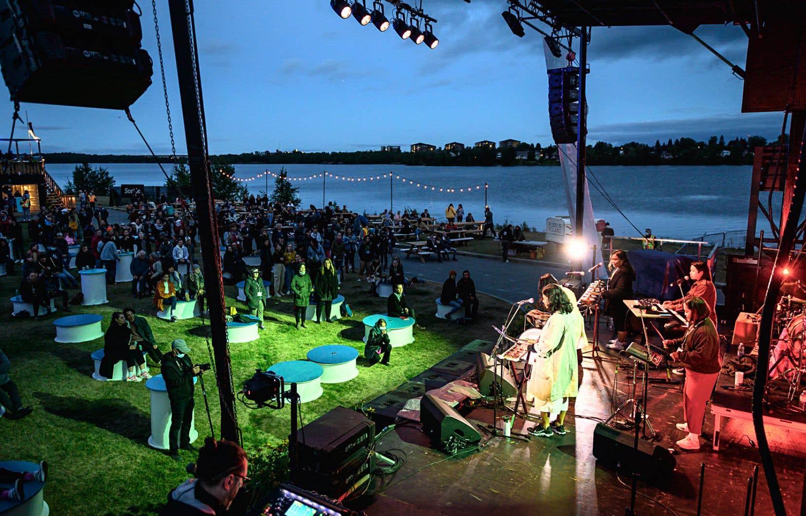 Le Festival de musique émergente, à Rouyn-Noranda, est le premier grand événement culturel à mettre à l'épreuve le passeport vaccinal depuis sa mise en place.