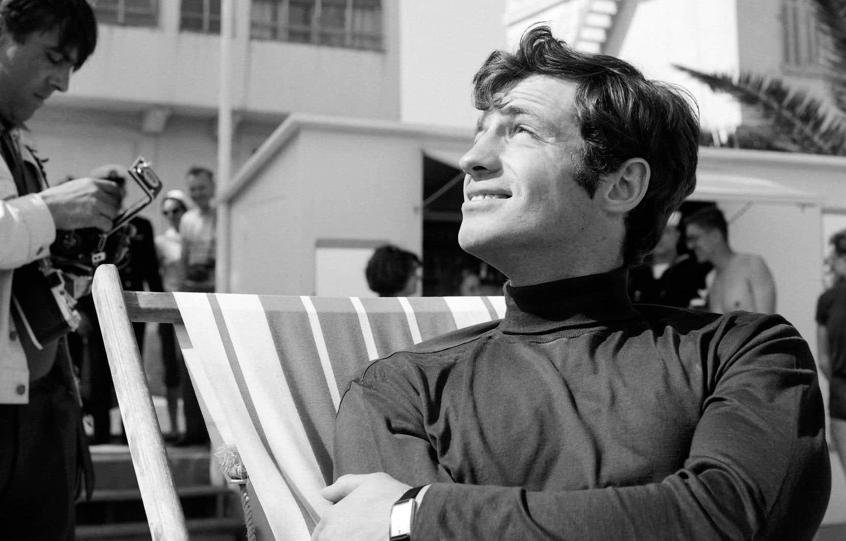 Jean-Paul Belmondo au Festival de Cannes, en mai 1964, pour le film «Cent mille dollars au soleil», d'Henri Verneuil