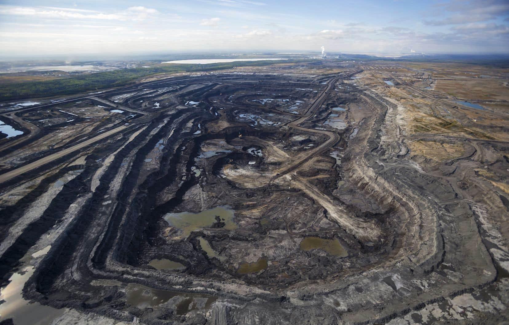 L'industrie pétrolière prévoit une croissance de la production des sables bitumineux au cours des prochaines années.