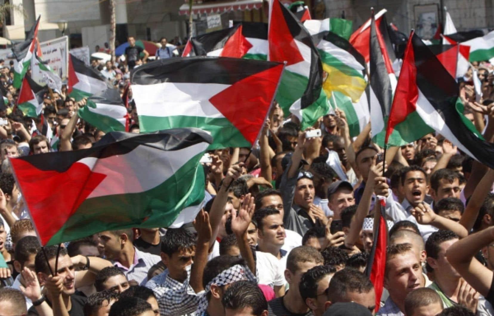 Les Palestiniens ont manifesté hier dans plusieurs villes Cisjordanie.<br />