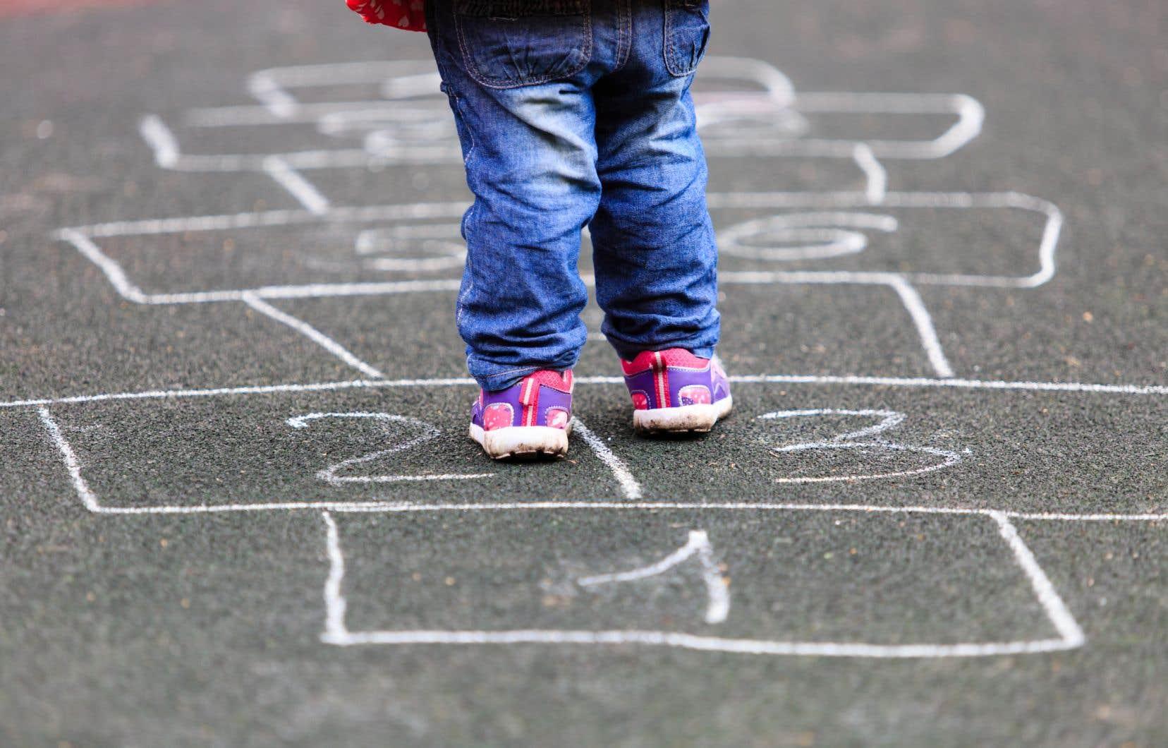 «La prévention et le dépistage sont des éléments essentiels pour soutenir les enfants et les parents», écrit l'auteur.