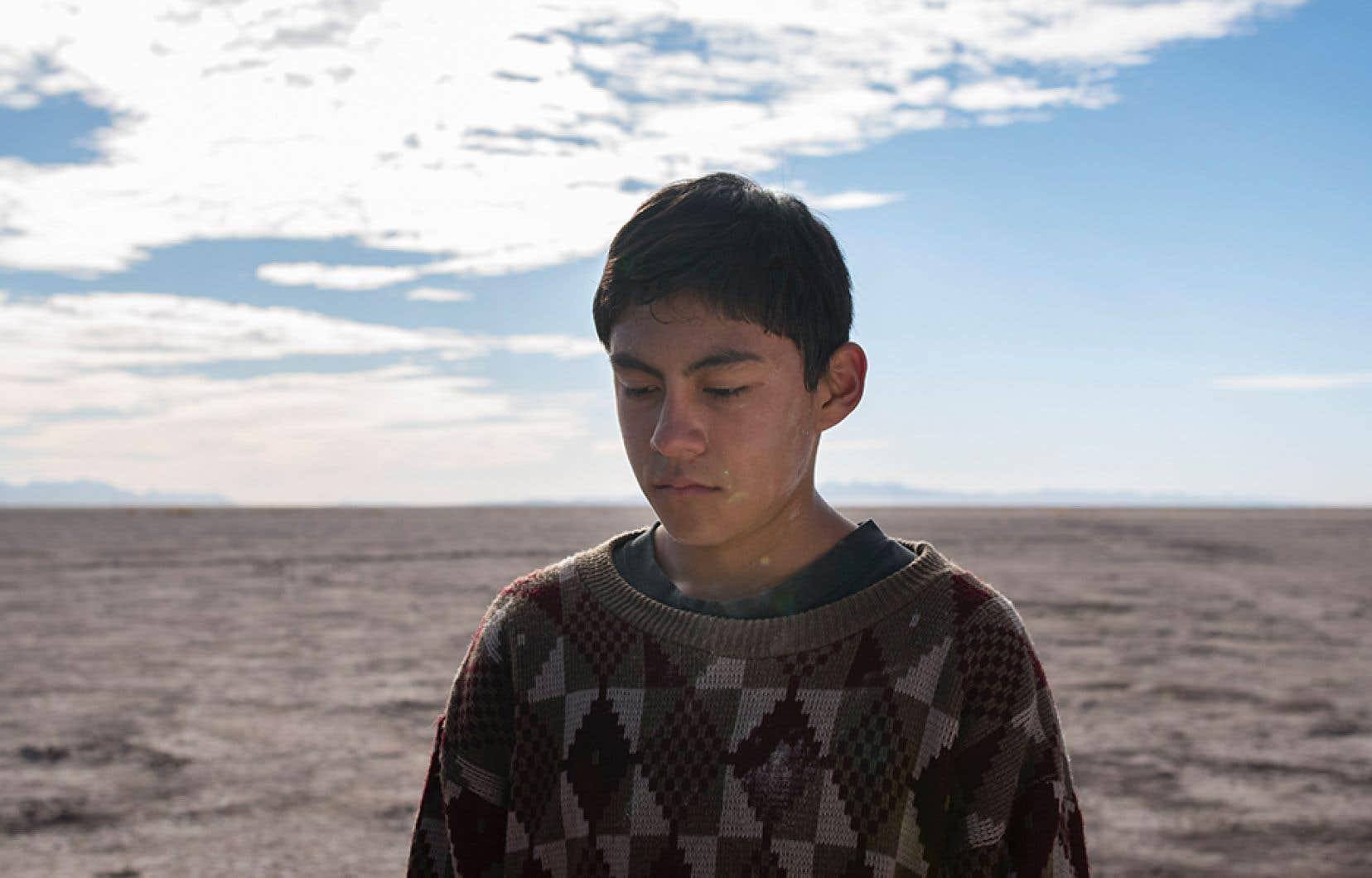 «The Box»du cinéaste vénézuélien Lorenzo Vigas est un modèle du genre, sans compromis et lumineux, filmé avec ampleur pour les paysages arides du nord du Mexique.