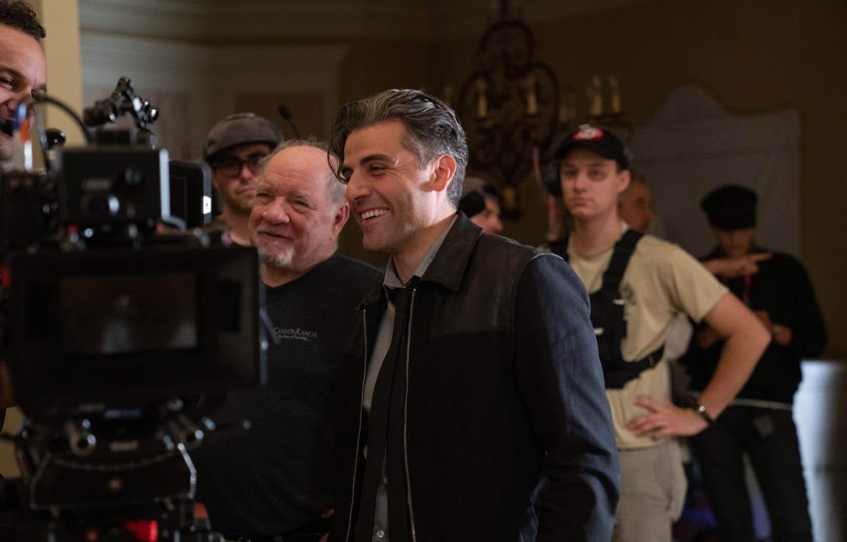 Le cinéaste Paul Schrader et l'acteur Oscar Isaac sur le plateau du film «The Card Counter».