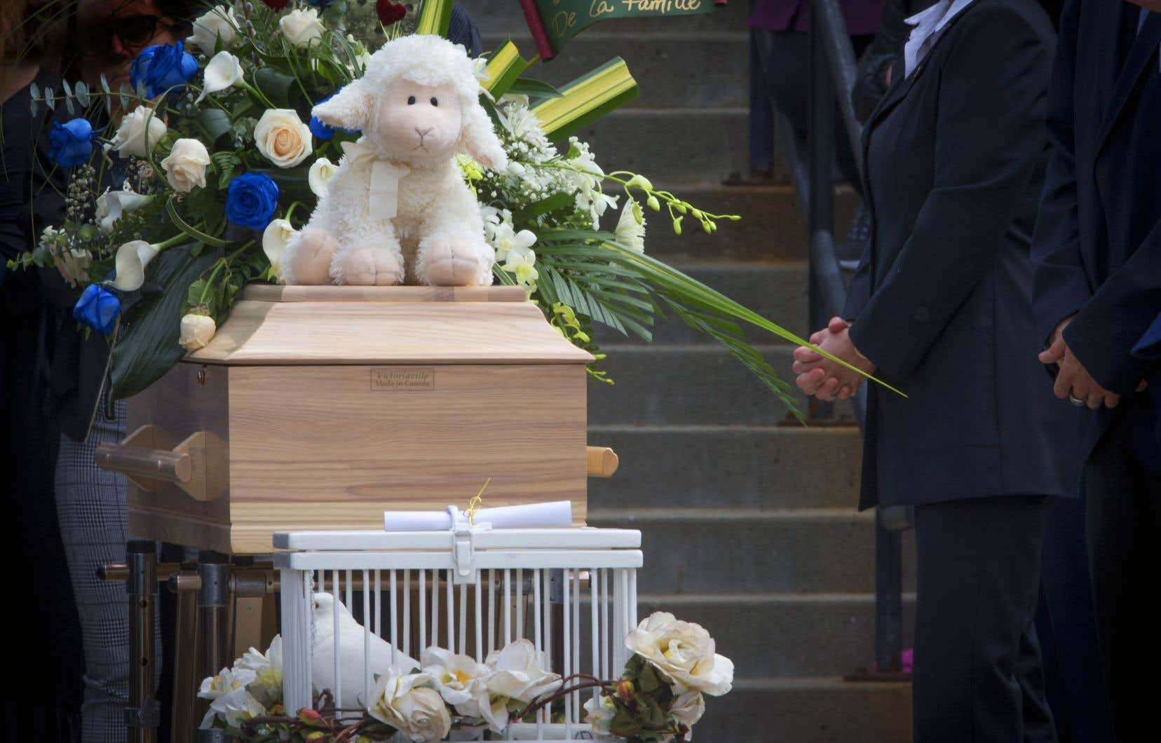 L'enfant de sept ans est morte dans des circonstances extrêmement troublantes, après avoir fait l'objet d'un signalement auprès de la Direction de la protection de la jeunesse (DPJ) de l'Estrie.