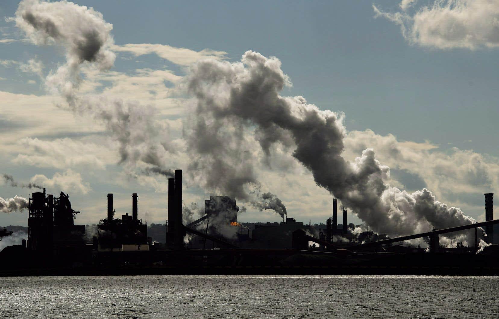 Le prix carbone du fédéral est actuellement de 40$ la tonne et doit augmenter graduellement jusqu'à 170$ la tonne en 2030.