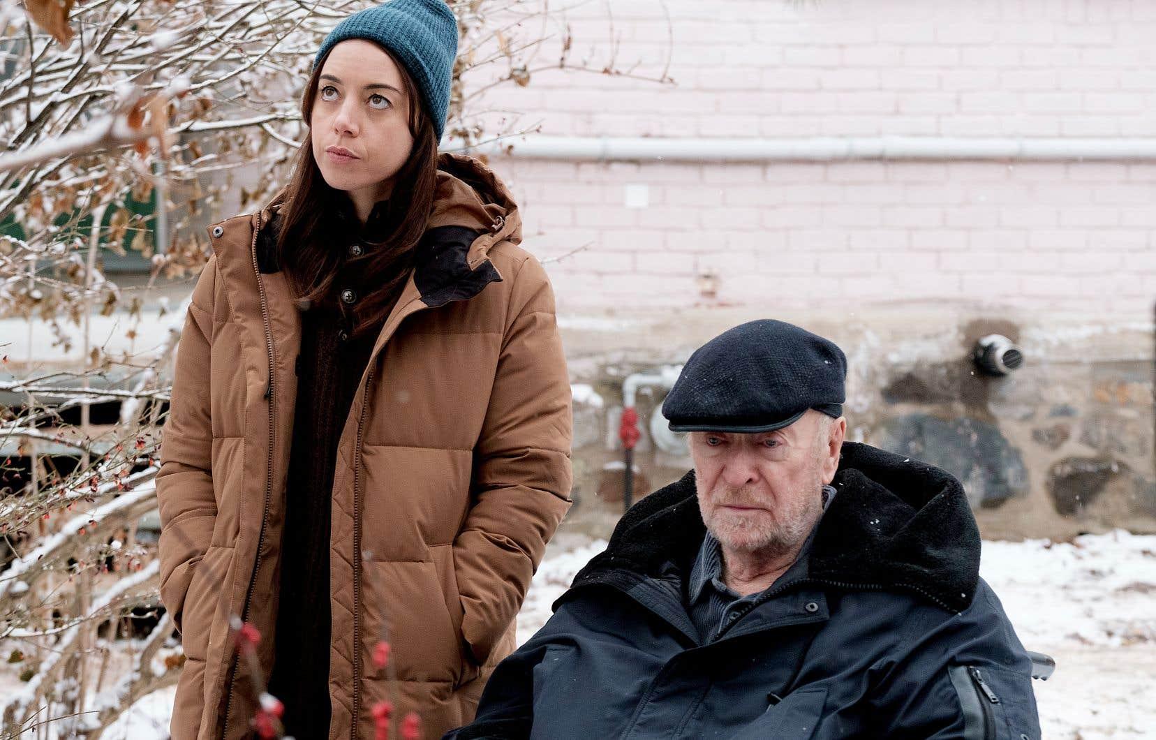 Aubrey Plaza et sir Michael Caine dans le premier film de la réalisatrice canadienne Lina Roessler