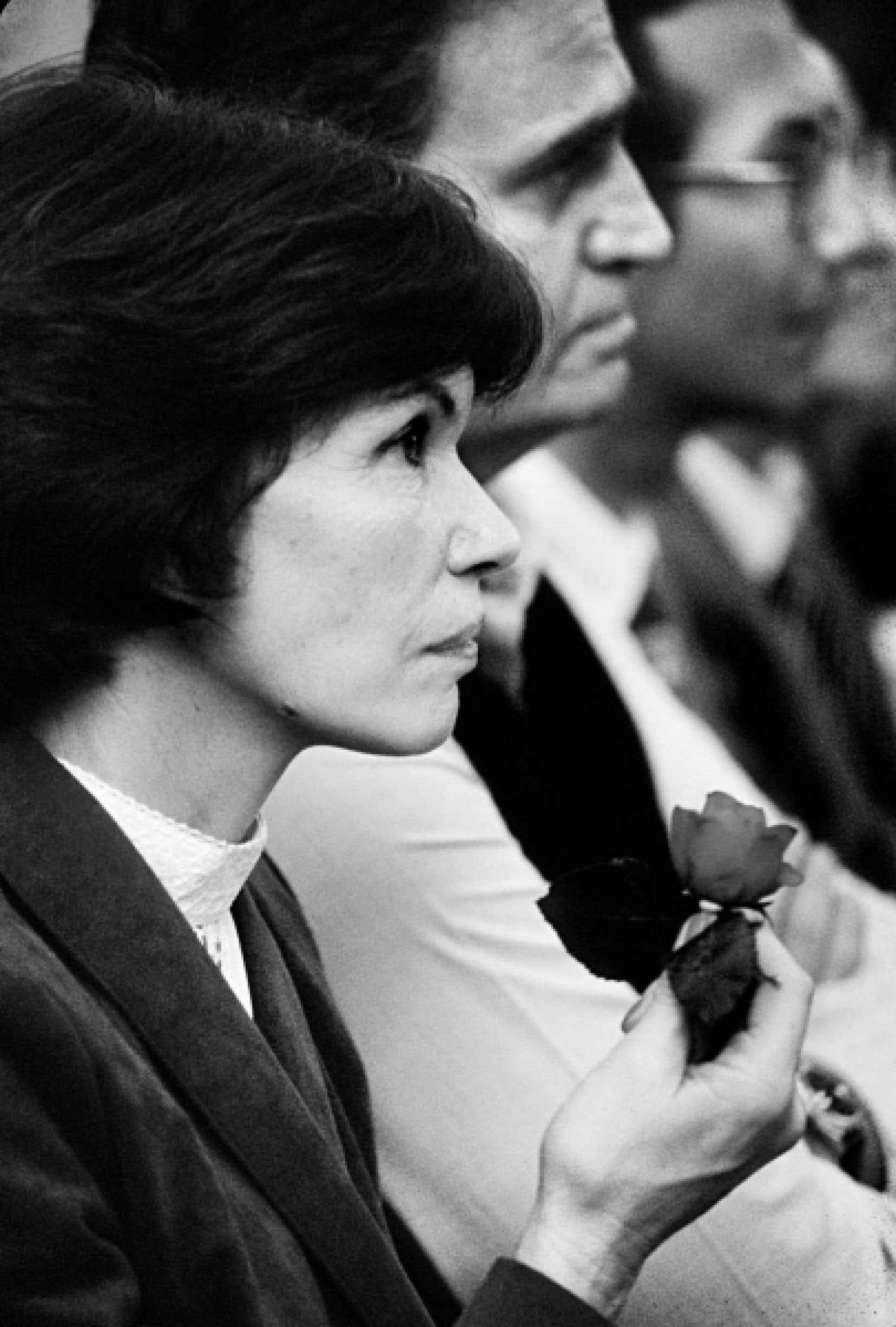 Danielle Mitterrand lors d'une réunion électorale en 1981.