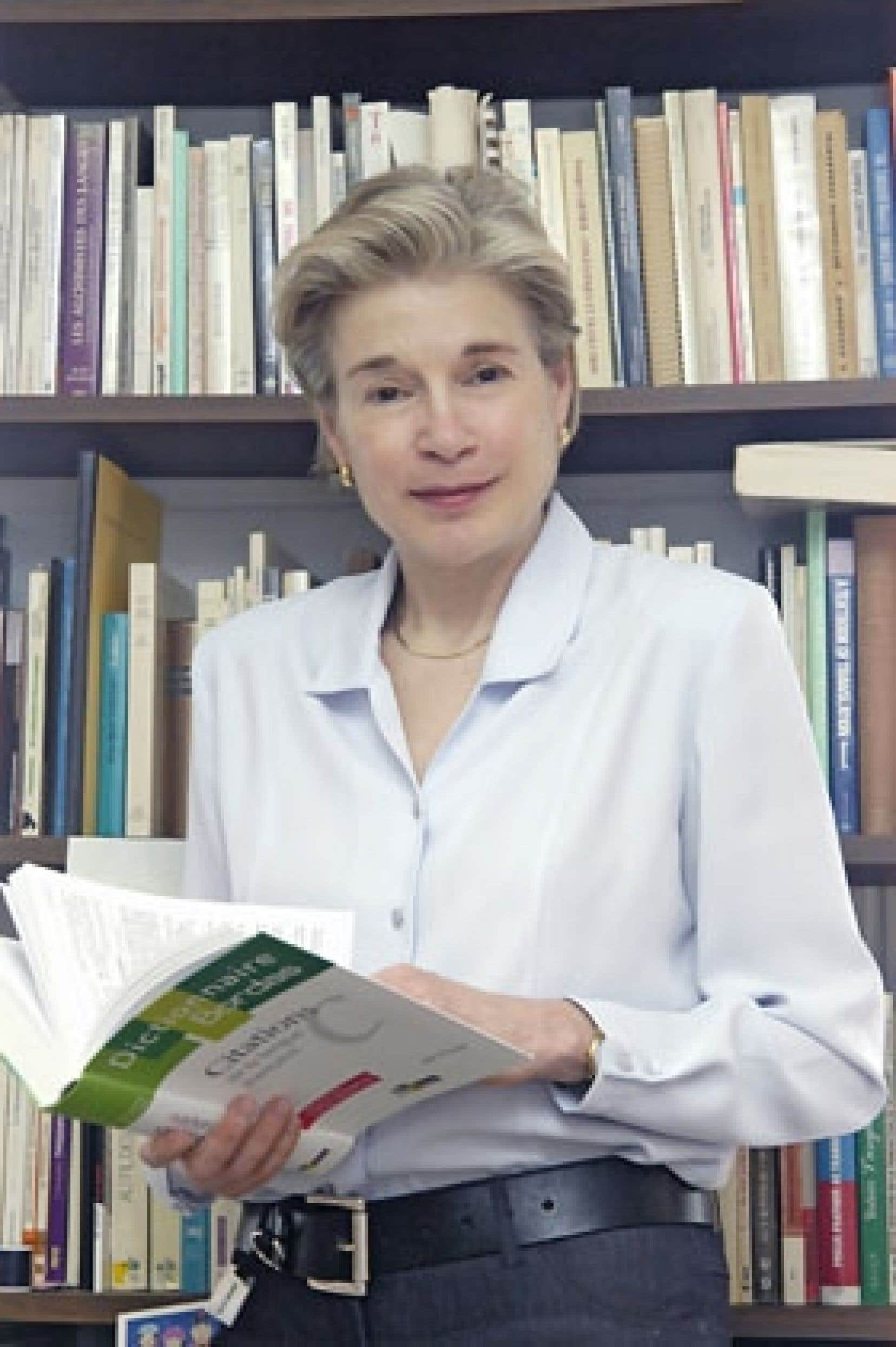 Monique C. Cormier, professeure titulaire au département de linguistique et de traduction de l'Université de Montréal, est la conceptrice de la Journée québécoise des dictionnaires.