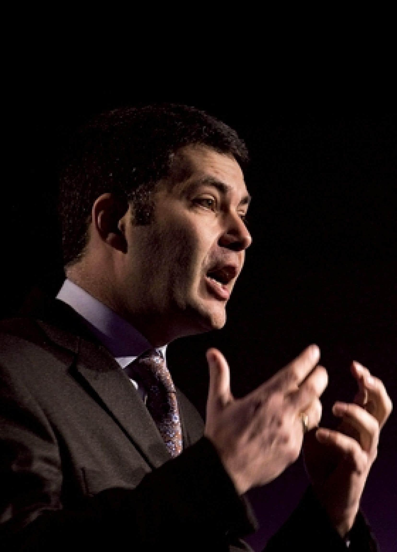 Mario Dumont s'adressant aux membres de l'ADQ lors du congrès de la fin de semaine à Laval.