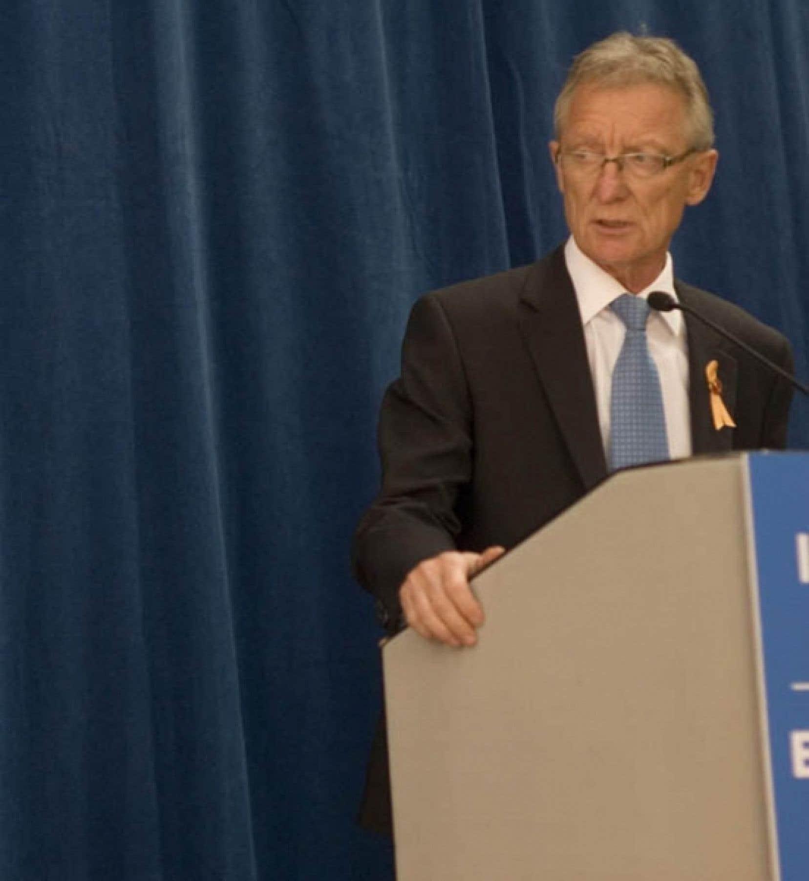 Le sénateur Pierre-Hugues Boisvenu estime que les meurtriers irrécupérables devraient avoir le «libre-choix» de se suicider en prison et assure que la population est d'accord avec lui.