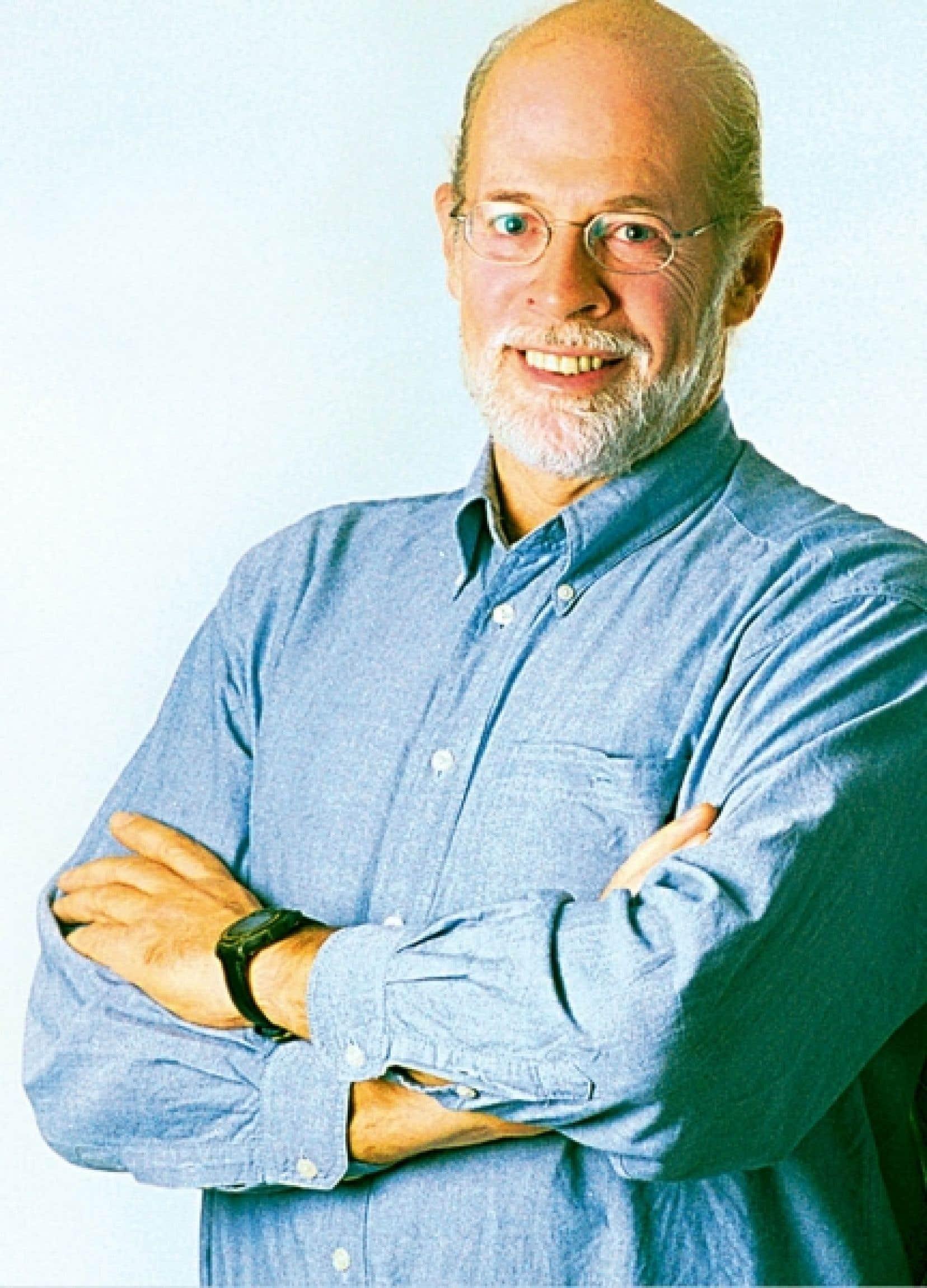 Titulaire de la Chaire de recherche du Canada en développement des collectivités, Louis Favreau a enseigné pendant 25 ans au Département de travail social et des sciences sociales de l'Université du Québec en Outaouais. <br />