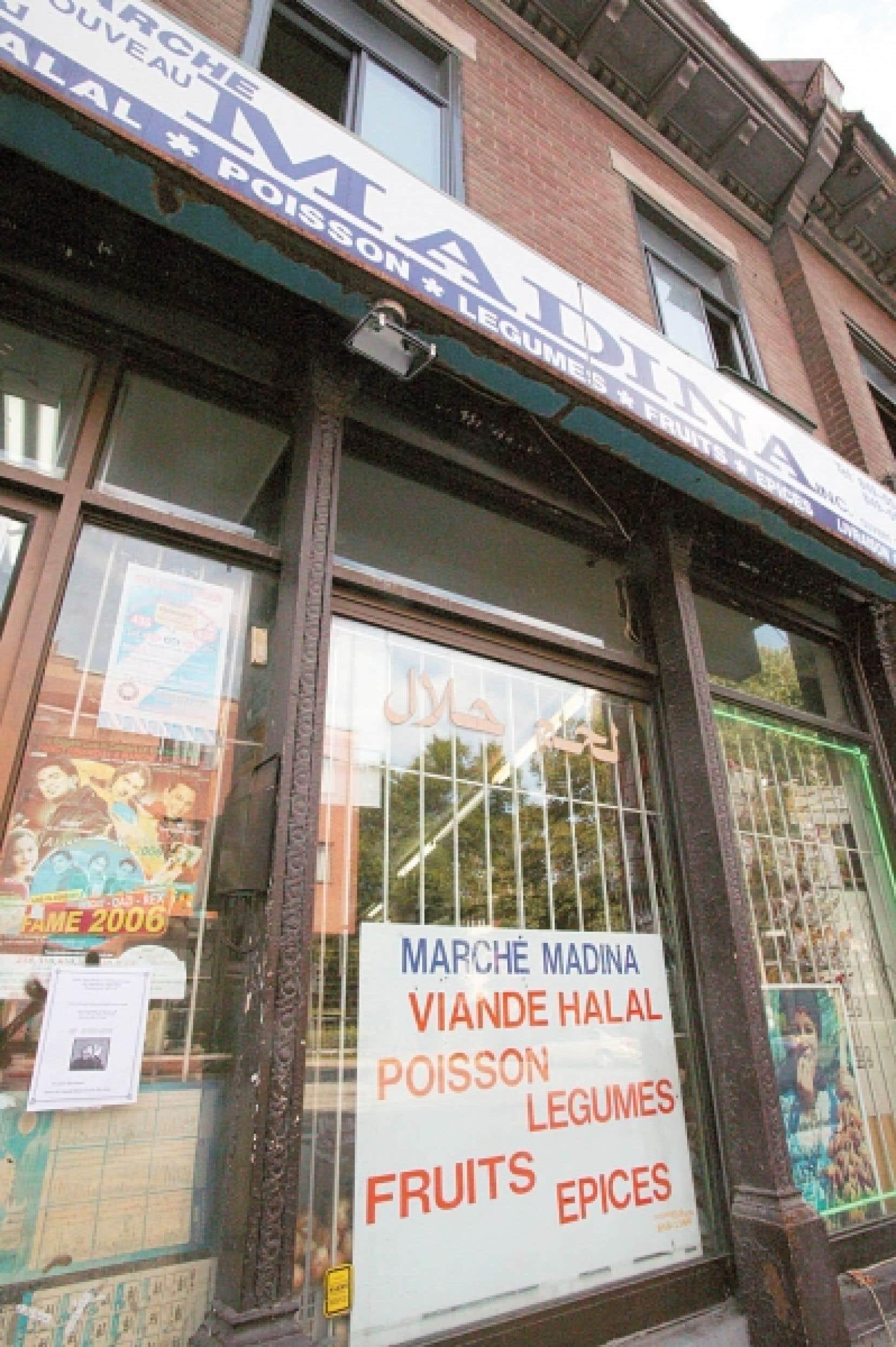 À Montréal, un petit marché qui vend de la viande halale.<br />