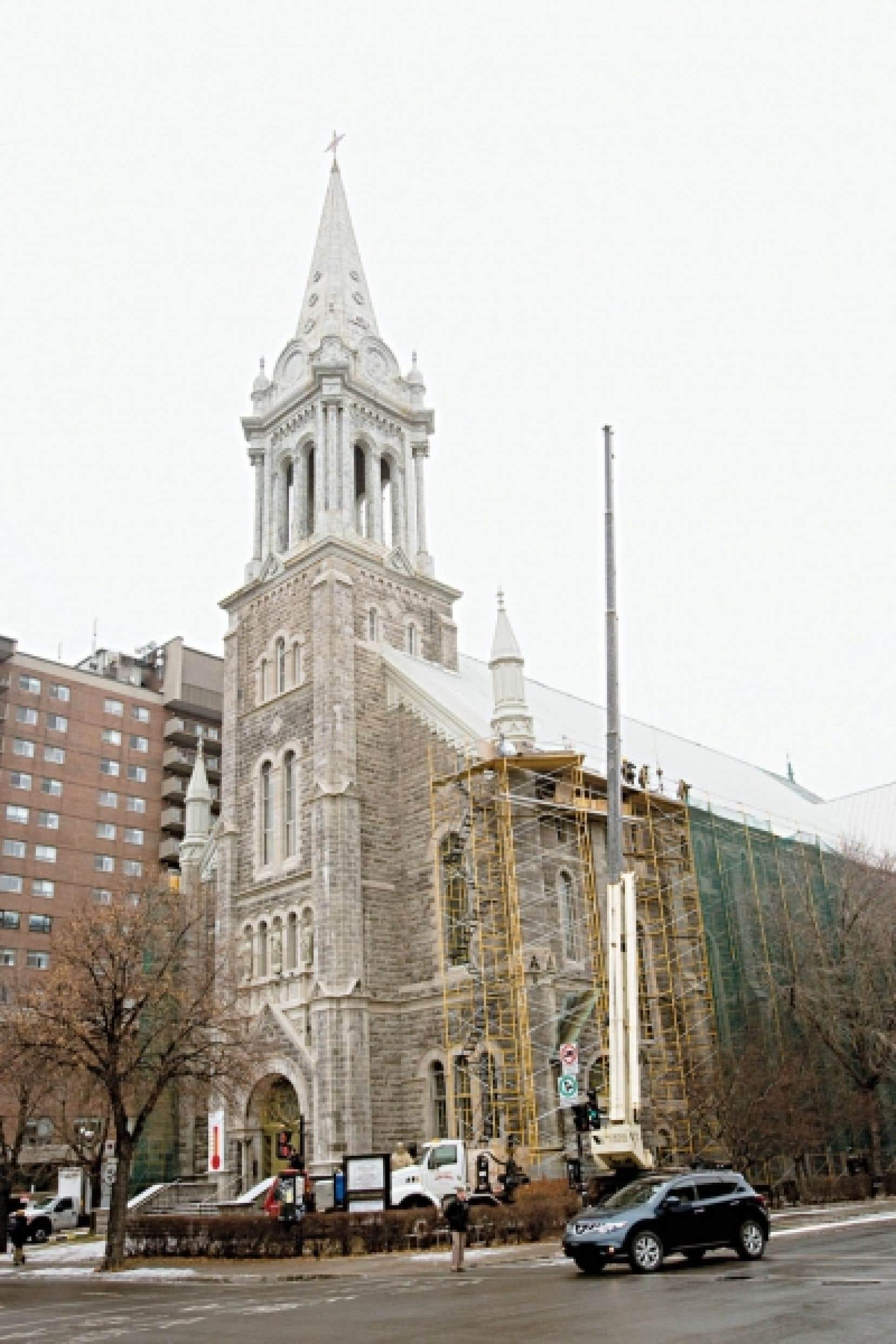 La restauration de la toiture de l'e?glise Immacule?e-Conception de Montréal.<br />